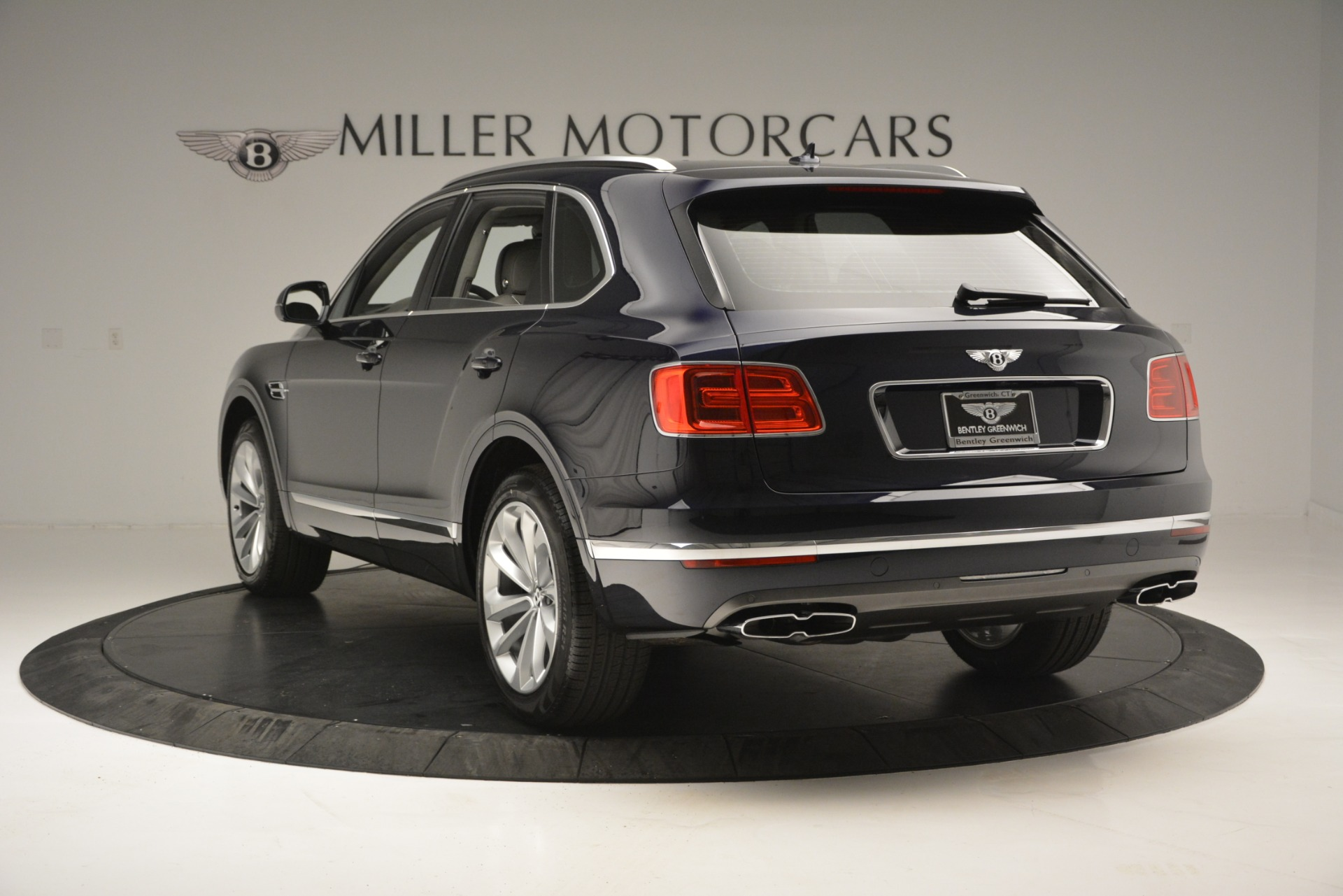New 2019 Bentley Bentayga V8 For Sale In Greenwich, CT. Alfa Romeo of Greenwich, B1369 2549_p5