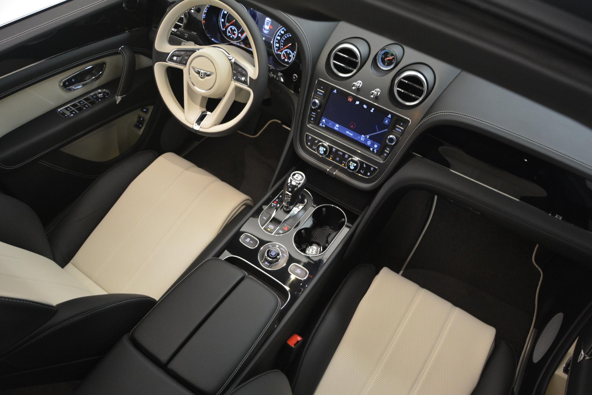 New 2019 Bentley Bentayga V8 For Sale In Greenwich, CT. Alfa Romeo of Greenwich, B1371 2550_p29