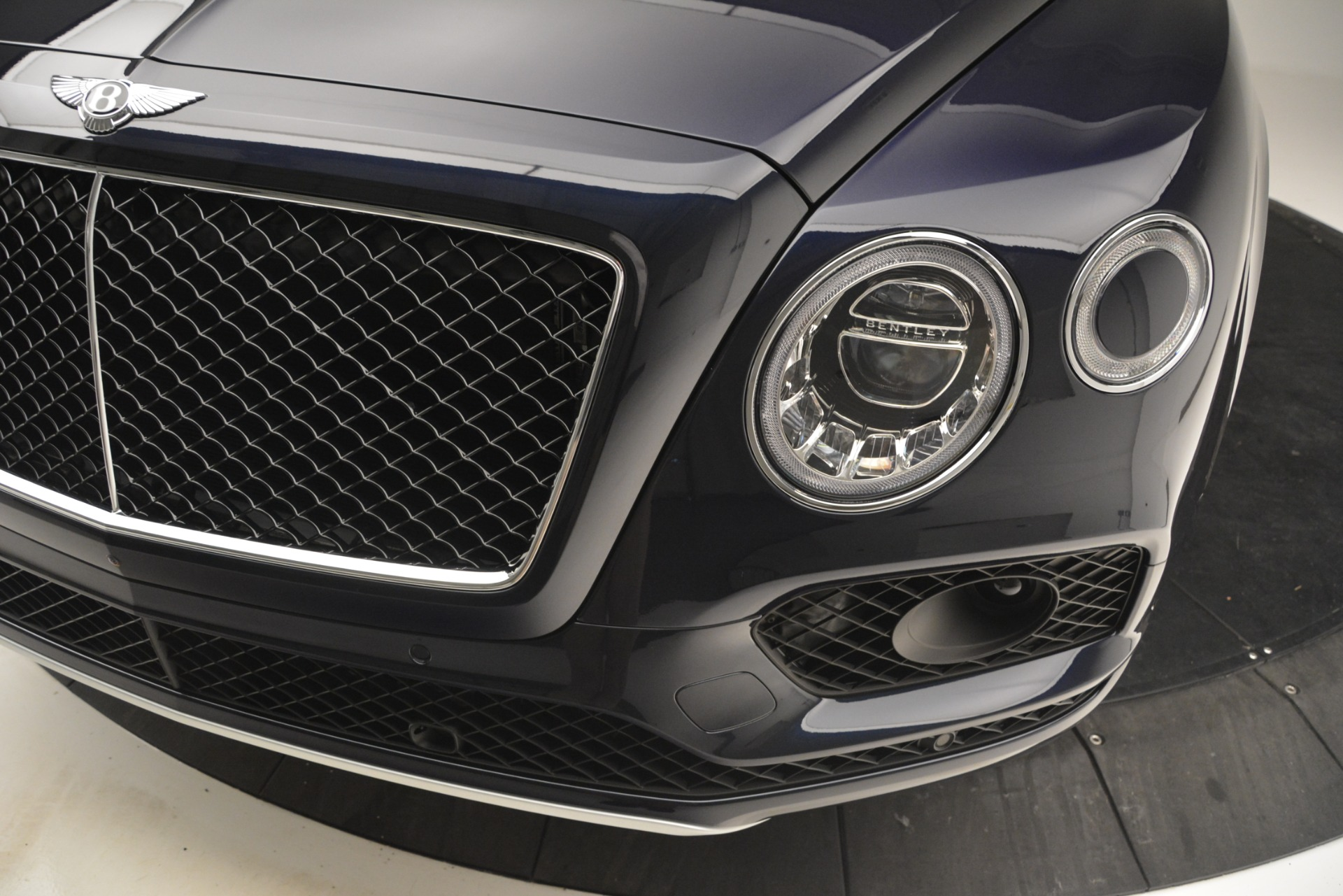 New 2019 Bentley Bentayga V8 For Sale In Greenwich, CT. Alfa Romeo of Greenwich, B1374 2551_p14
