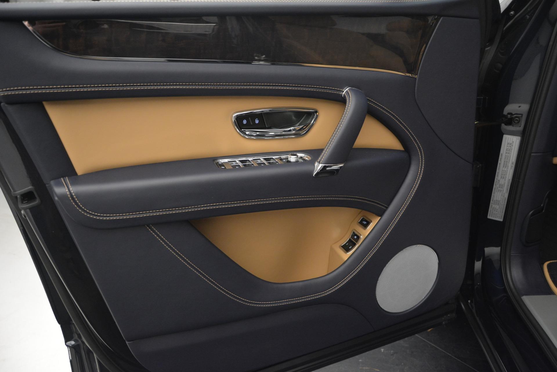 New 2019 Bentley Bentayga V8 For Sale In Greenwich, CT. Alfa Romeo of Greenwich, B1374 2551_p16