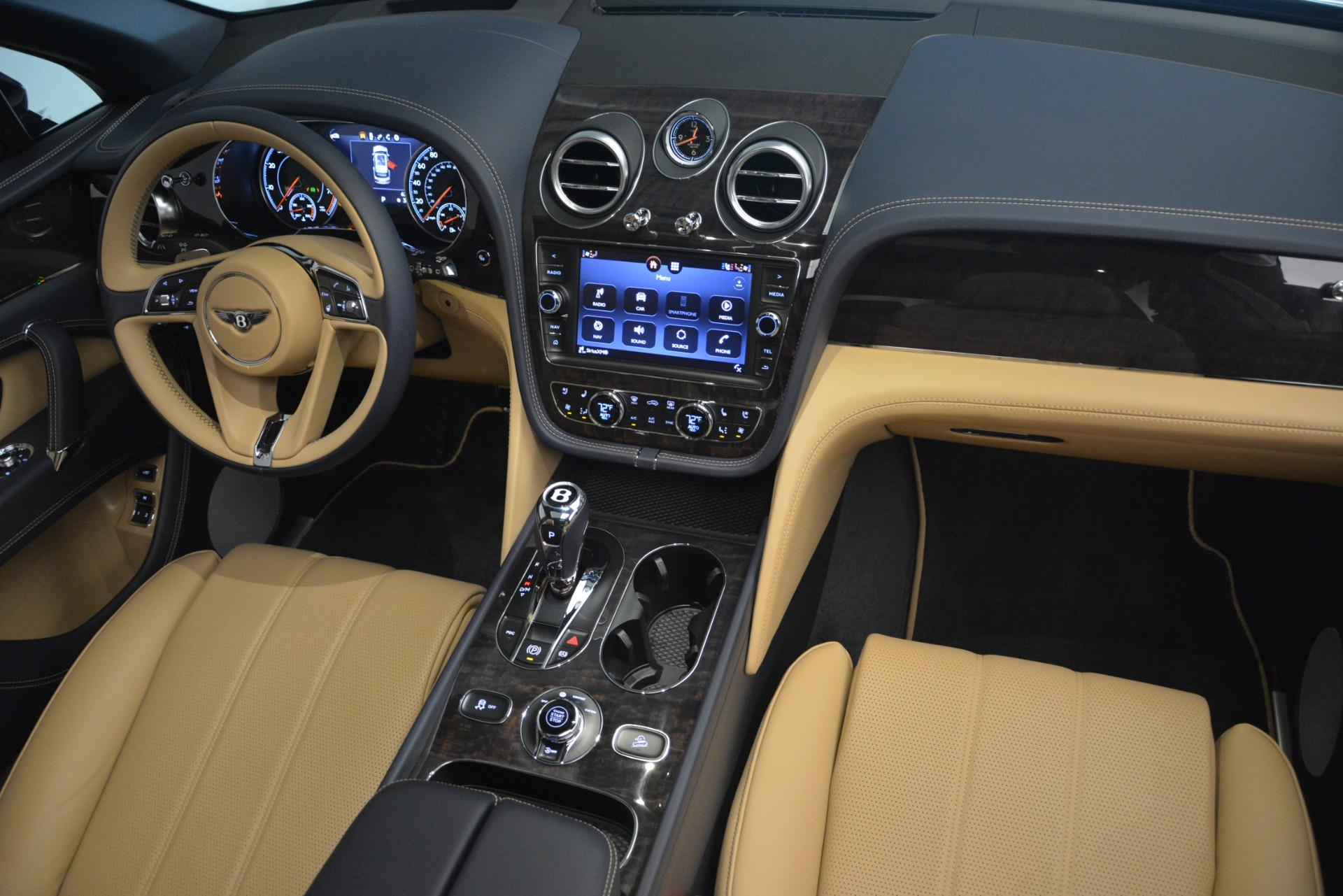 New 2019 Bentley Bentayga V8 For Sale In Greenwich, CT. Alfa Romeo of Greenwich, B1374 2551_p31