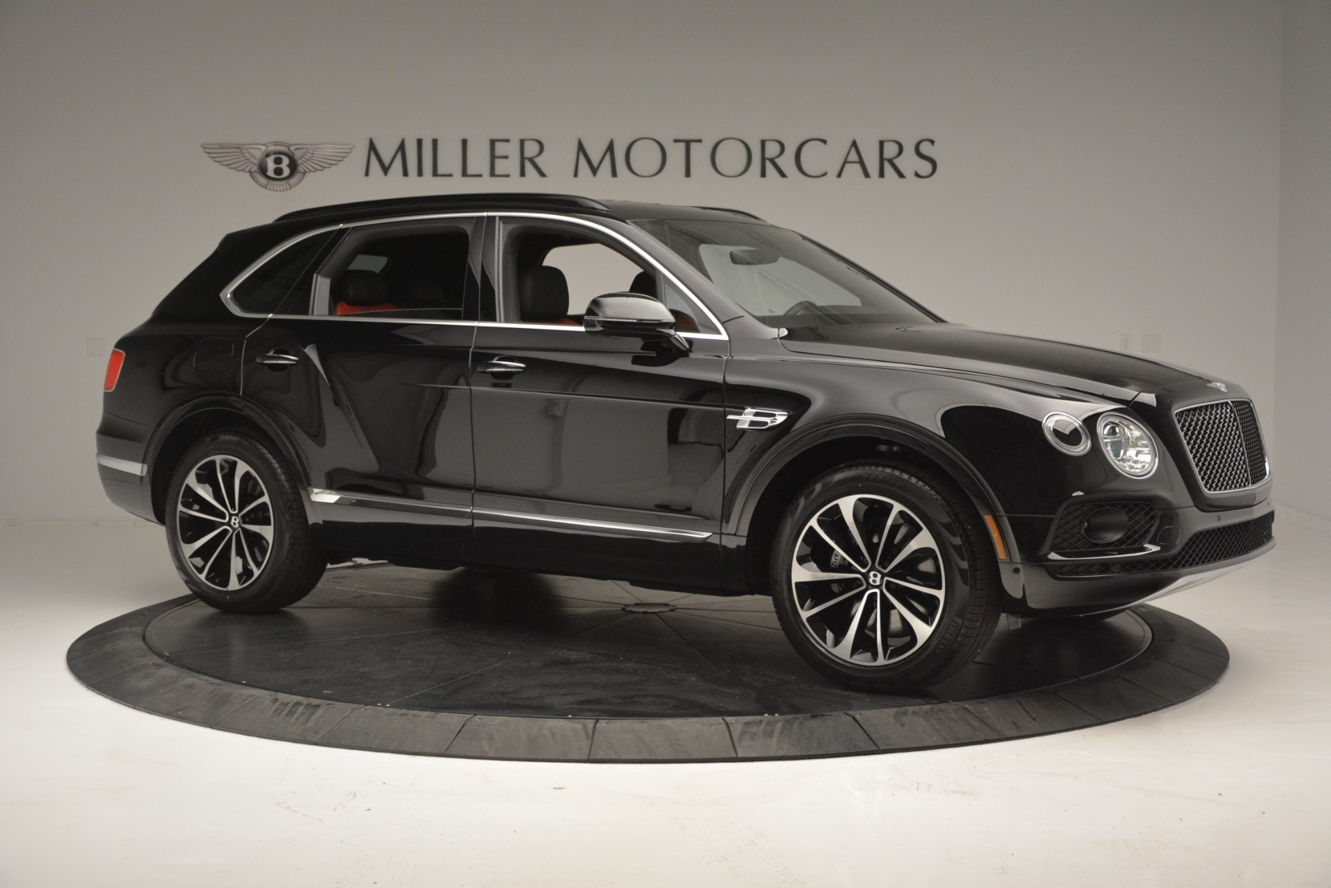 New 2019 Bentley Bentayga V8 For Sale In Greenwich, CT. Alfa Romeo of Greenwich, B1373 2552_p10