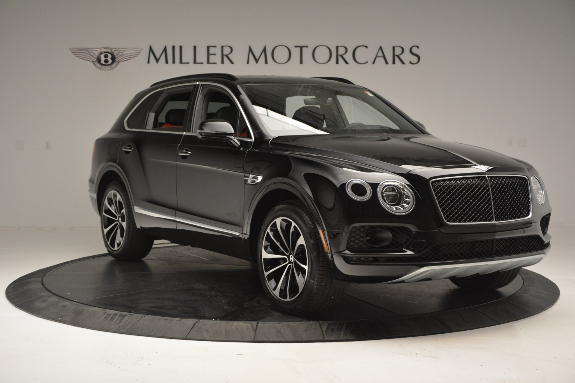 New 2019 Bentley Bentayga V8 For Sale In Greenwich, CT. Alfa Romeo of Greenwich, B1373 2552_p11