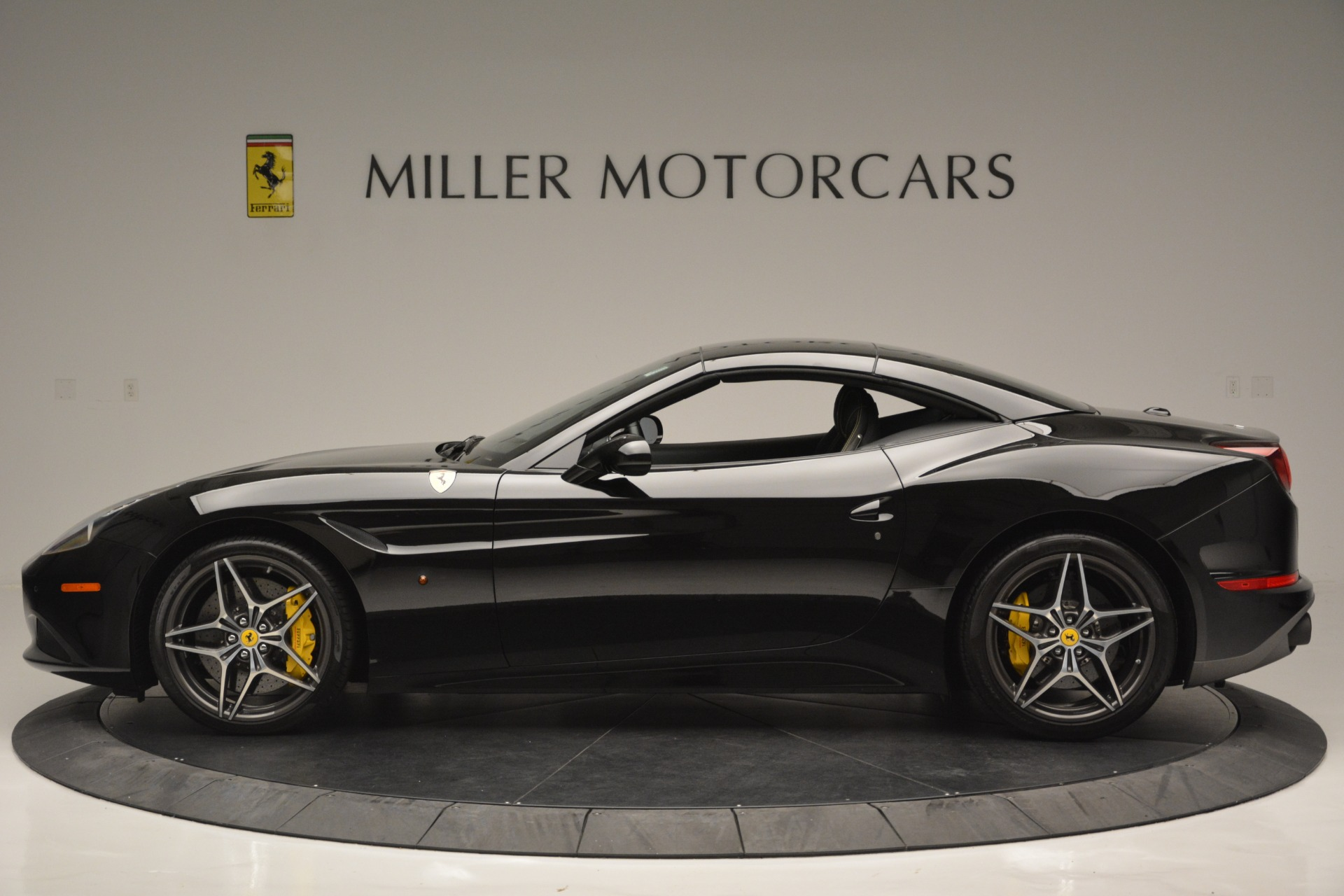 Used 2017 Ferrari California T Handling Speciale For Sale In Greenwich, CT. Alfa Romeo of Greenwich, 4505 2554_p15