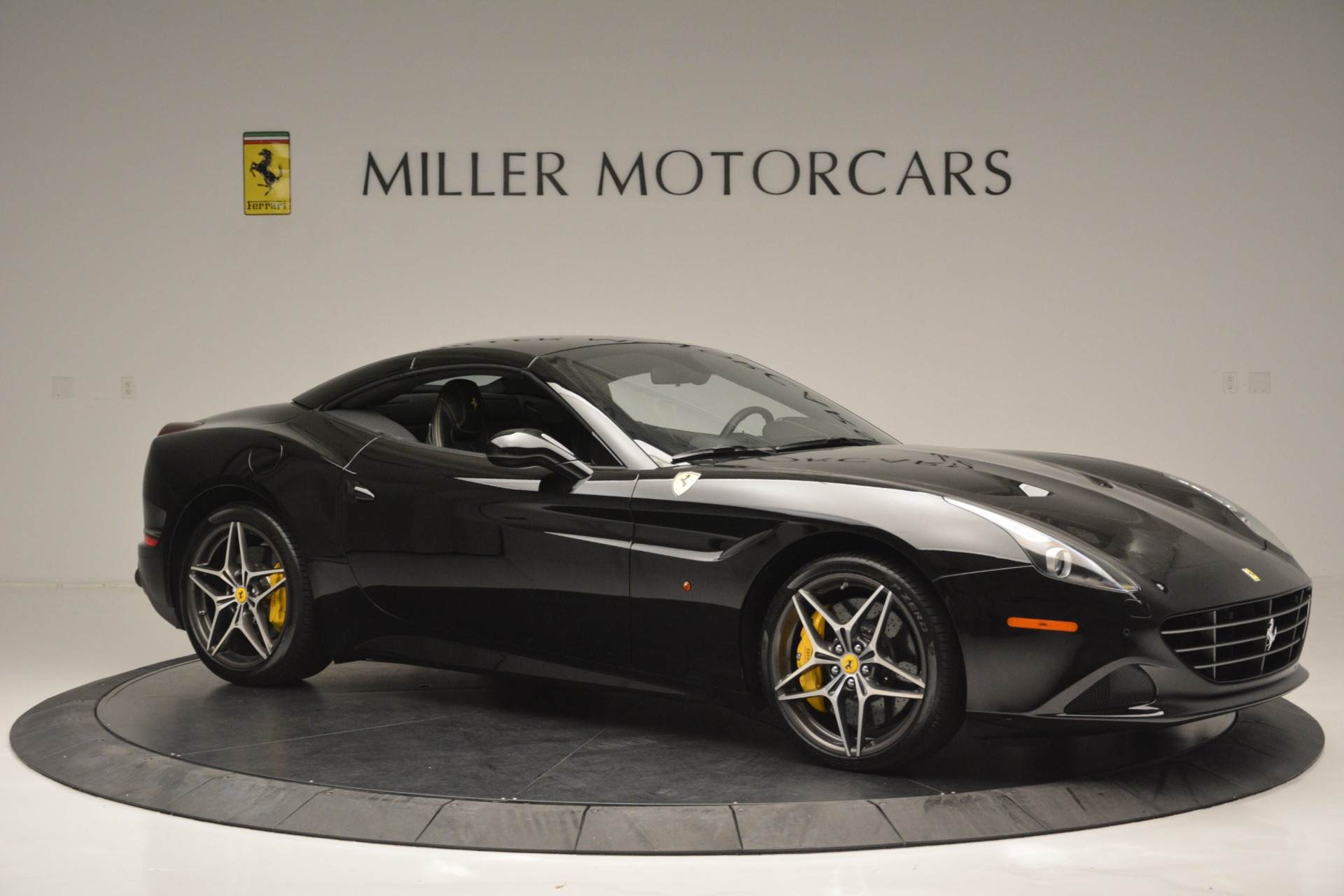 Used 2017 Ferrari California T Handling Speciale For Sale In Greenwich, CT. Alfa Romeo of Greenwich, 4505 2554_p22