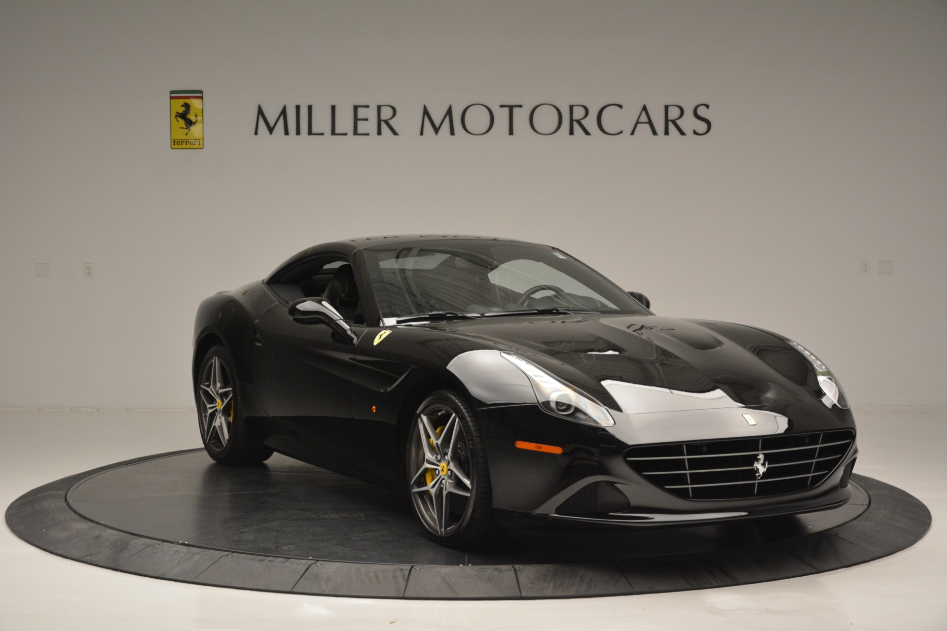Used 2017 Ferrari California T Handling Speciale For Sale In Greenwich, CT. Alfa Romeo of Greenwich, 4505 2554_p23