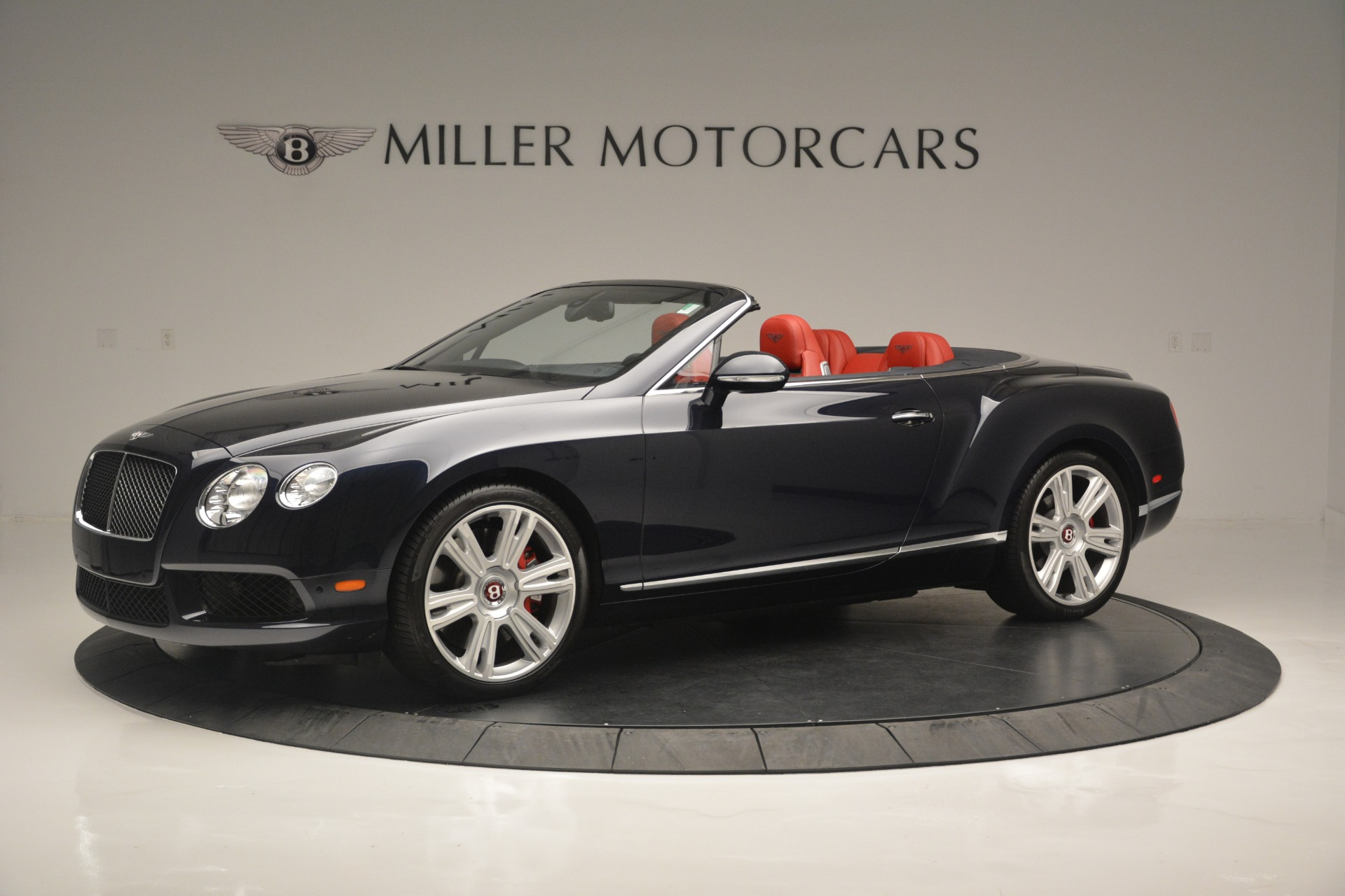 Used 2013 Bentley Continental GT V8 For Sale In Greenwich, CT. Alfa Romeo of Greenwich, 7337A 2557_p2