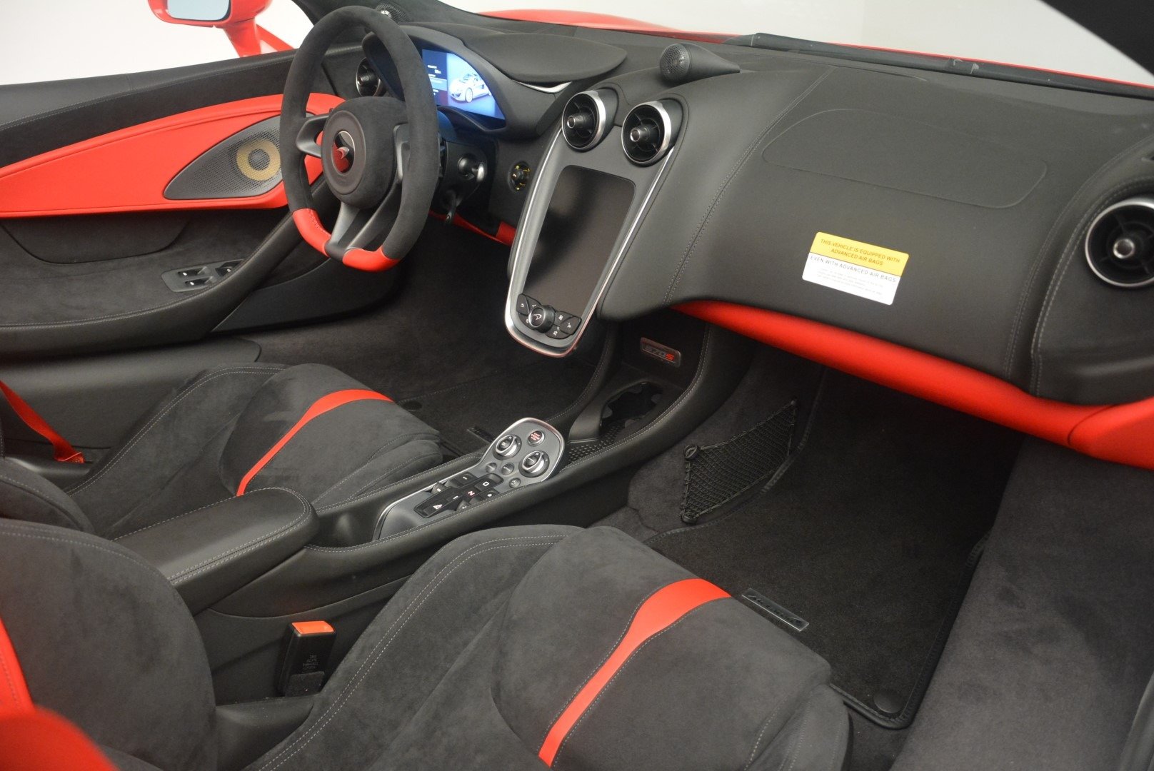 New 2019 McLaren 570S Spider Convertible For Sale In Greenwich, CT. Alfa Romeo of Greenwich, MC375 2564_p25