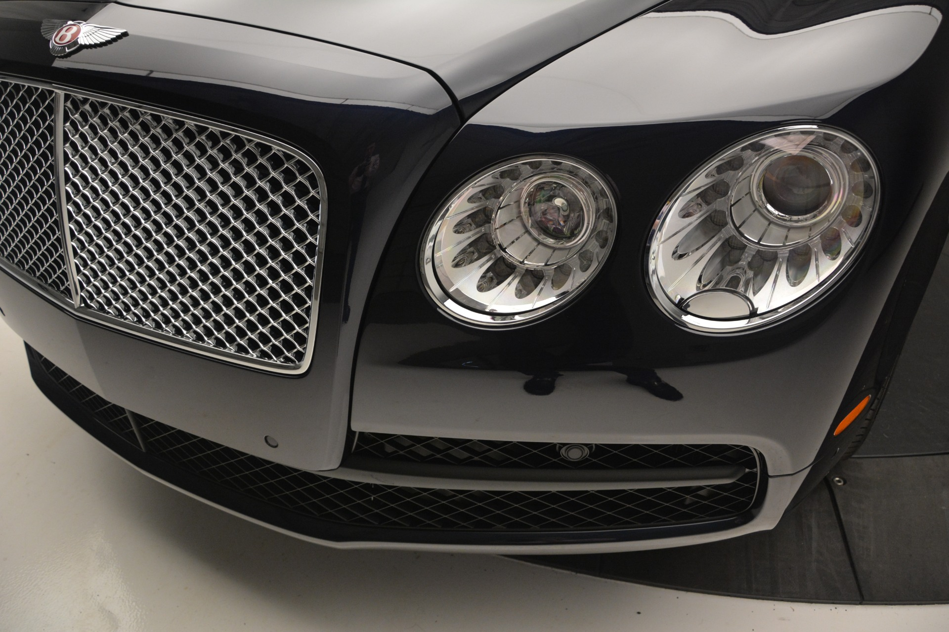 New 2018 Bentley Flying Spur V8 For Sale In Greenwich, CT. Alfa Romeo of Greenwich, B1363 2572_p13