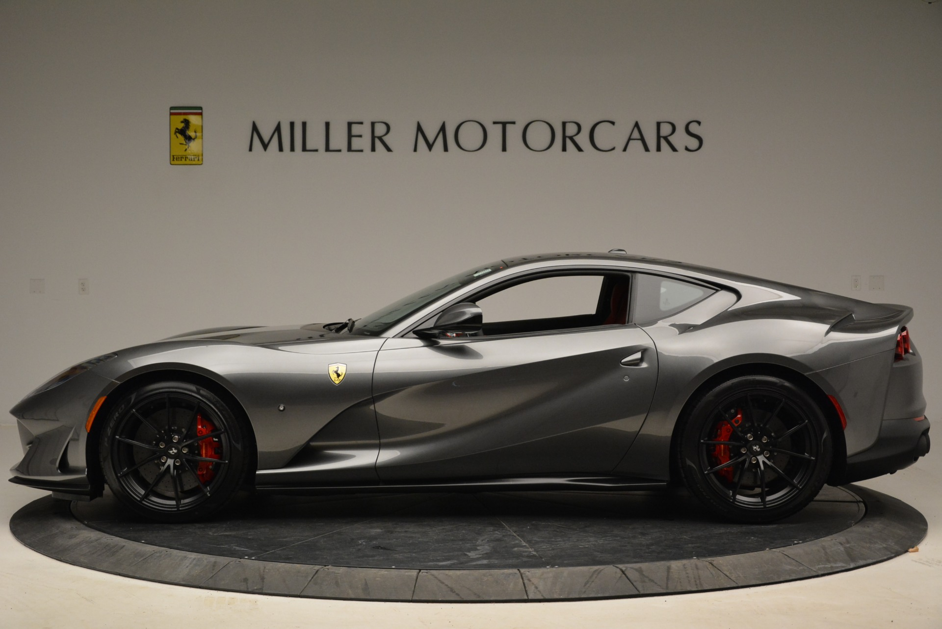 Used 2018 Ferrari 812 Superfast  For Sale In Greenwich, CT. Alfa Romeo of Greenwich, F1850B 2573_p3