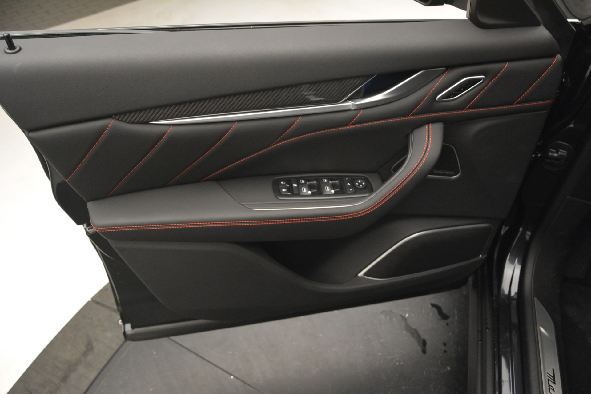 New 2019 Maserati Levante Q4 GranLusso For Sale In Greenwich, CT. Alfa Romeo of Greenwich, M2191 2574_p20