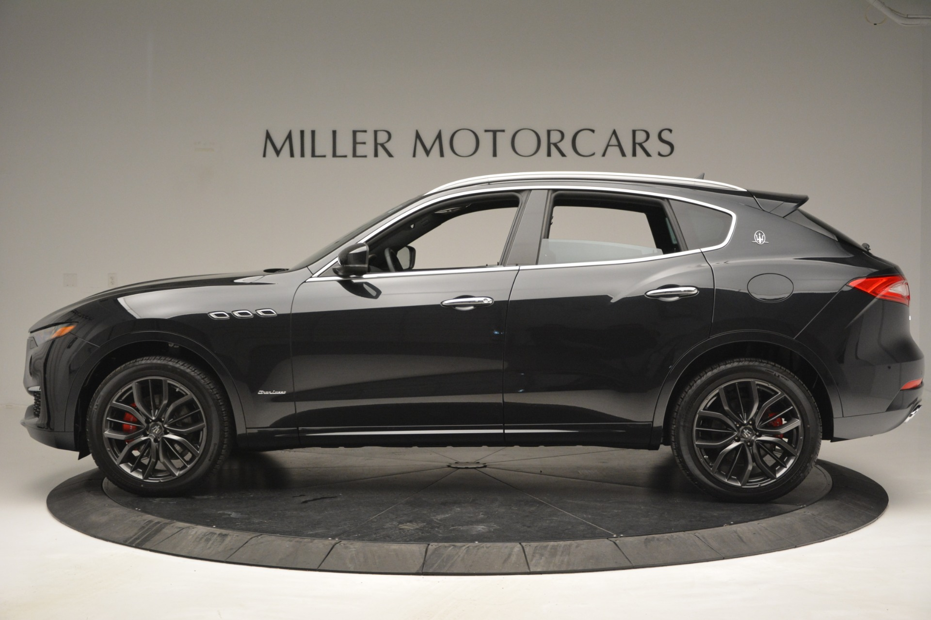 New 2019 Maserati Levante Q4 GranLusso For Sale In Greenwich, CT. Alfa Romeo of Greenwich, M2191 2574_p3