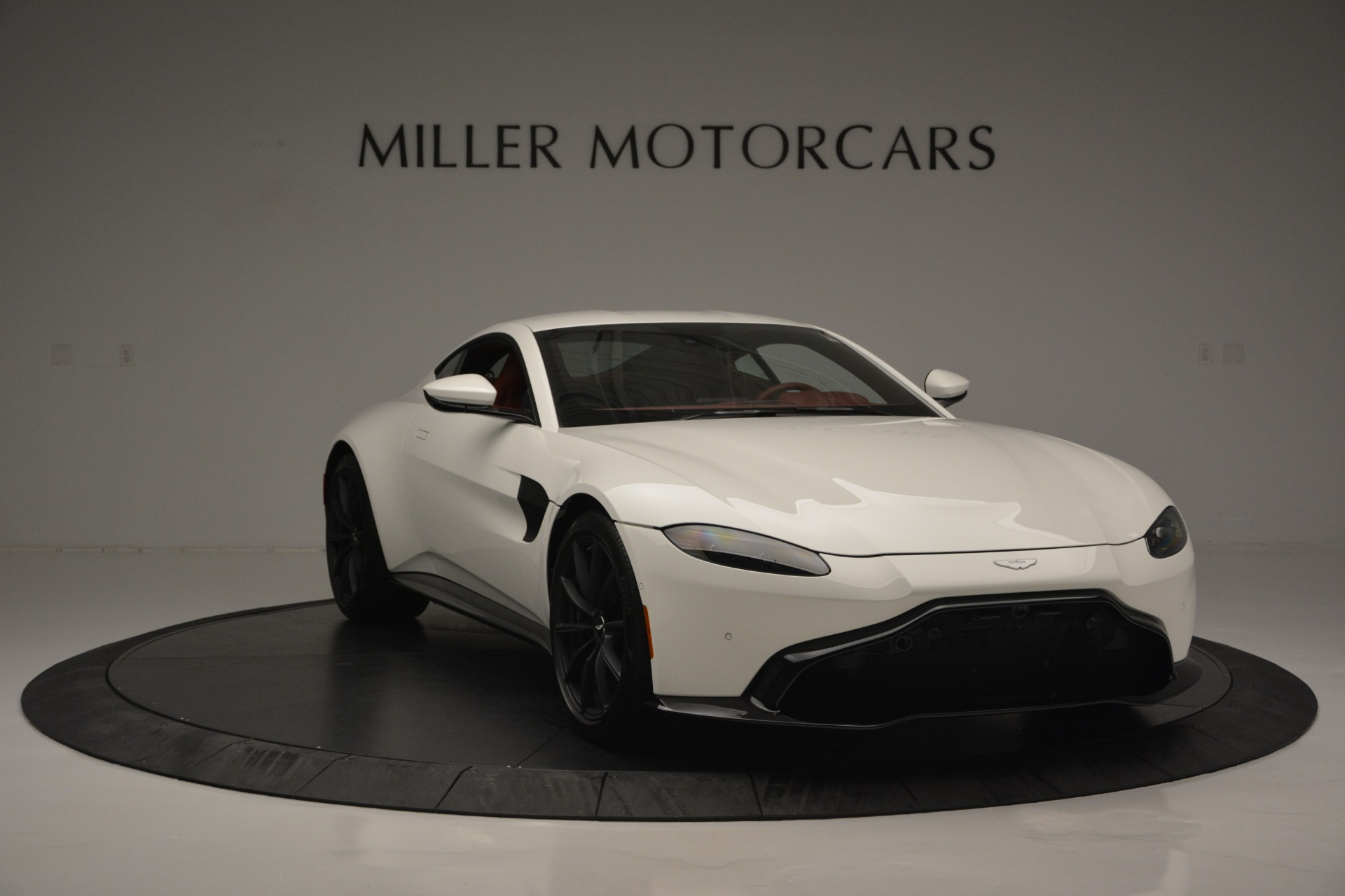 New 2019 Aston Martin Vantage  For Sale In Greenwich, CT. Alfa Romeo of Greenwich, A1324B 2577_p11