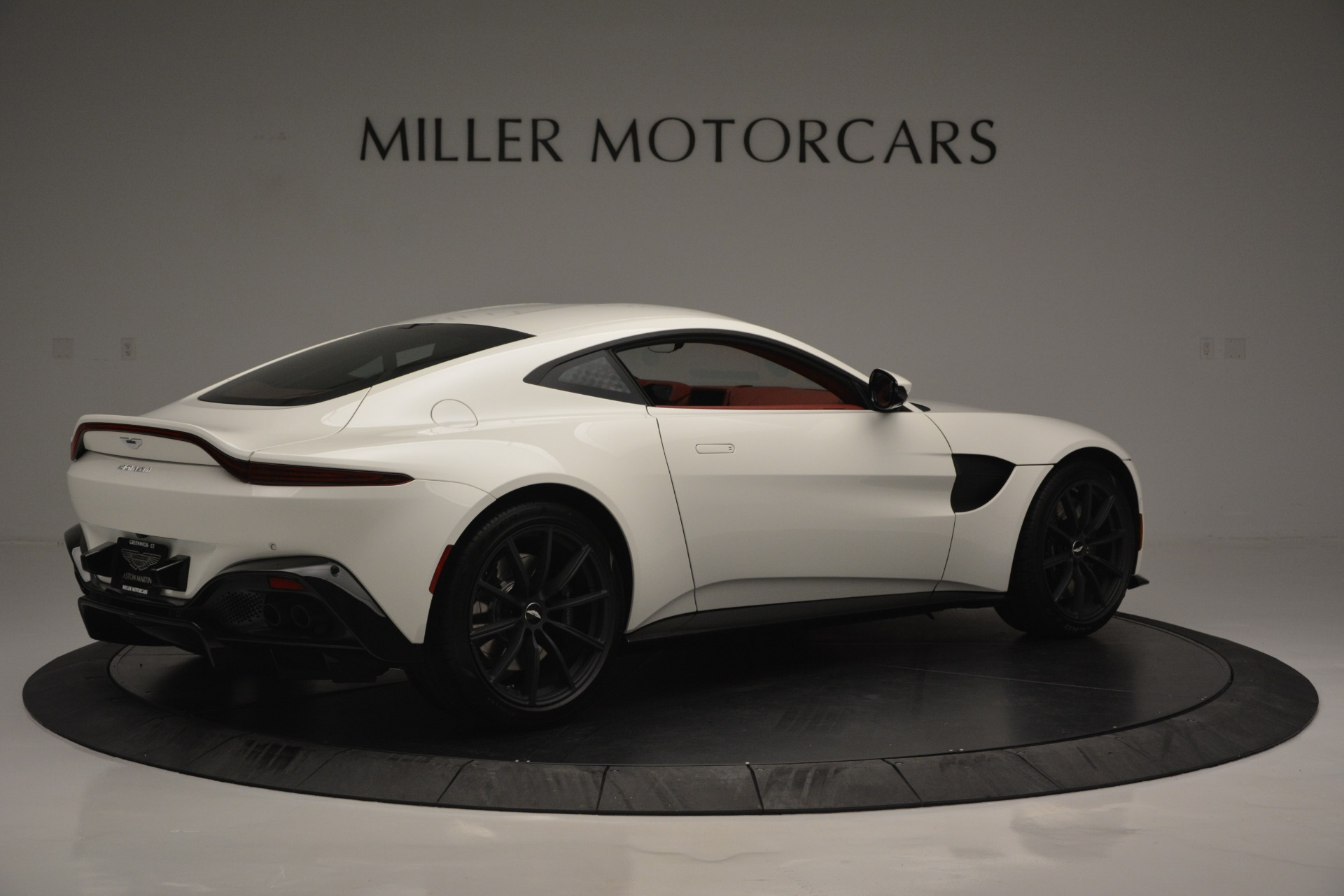 New 2019 Aston Martin Vantage  For Sale In Greenwich, CT. Alfa Romeo of Greenwich, A1324B 2577_p8