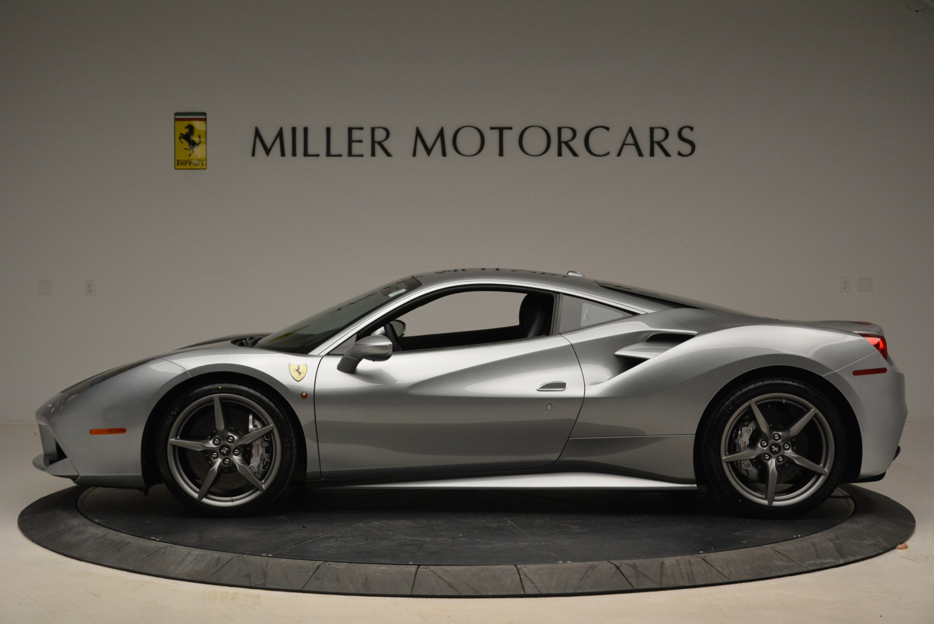 Used 2018 Ferrari 488 GTB  For Sale In Greenwich, CT. Alfa Romeo of Greenwich, 4509 2586_p3