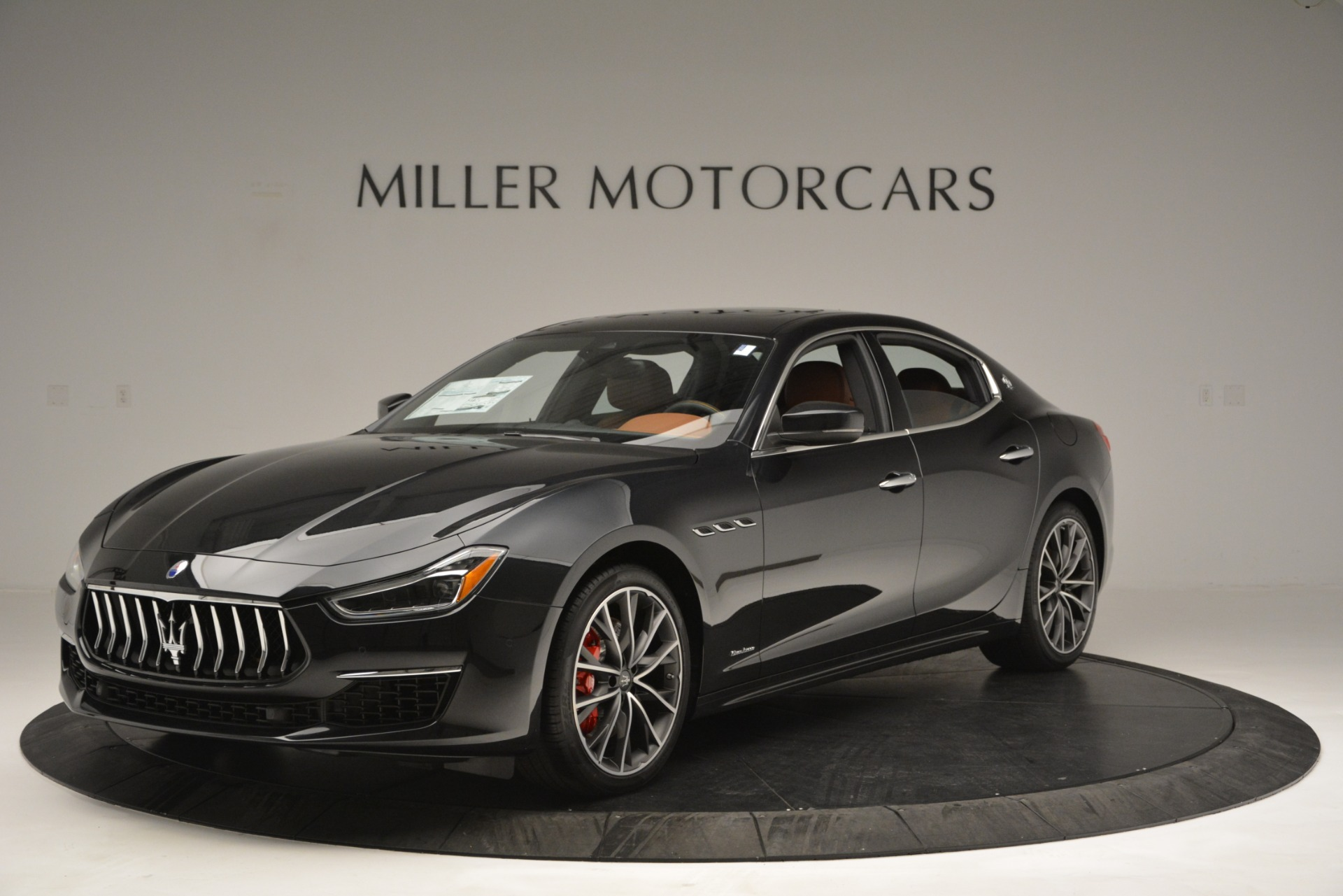New 2019 Maserati Ghibli S Q4 GranLusso For Sale In Greenwich, CT. Alfa Romeo of Greenwich, M2222 2589_p2