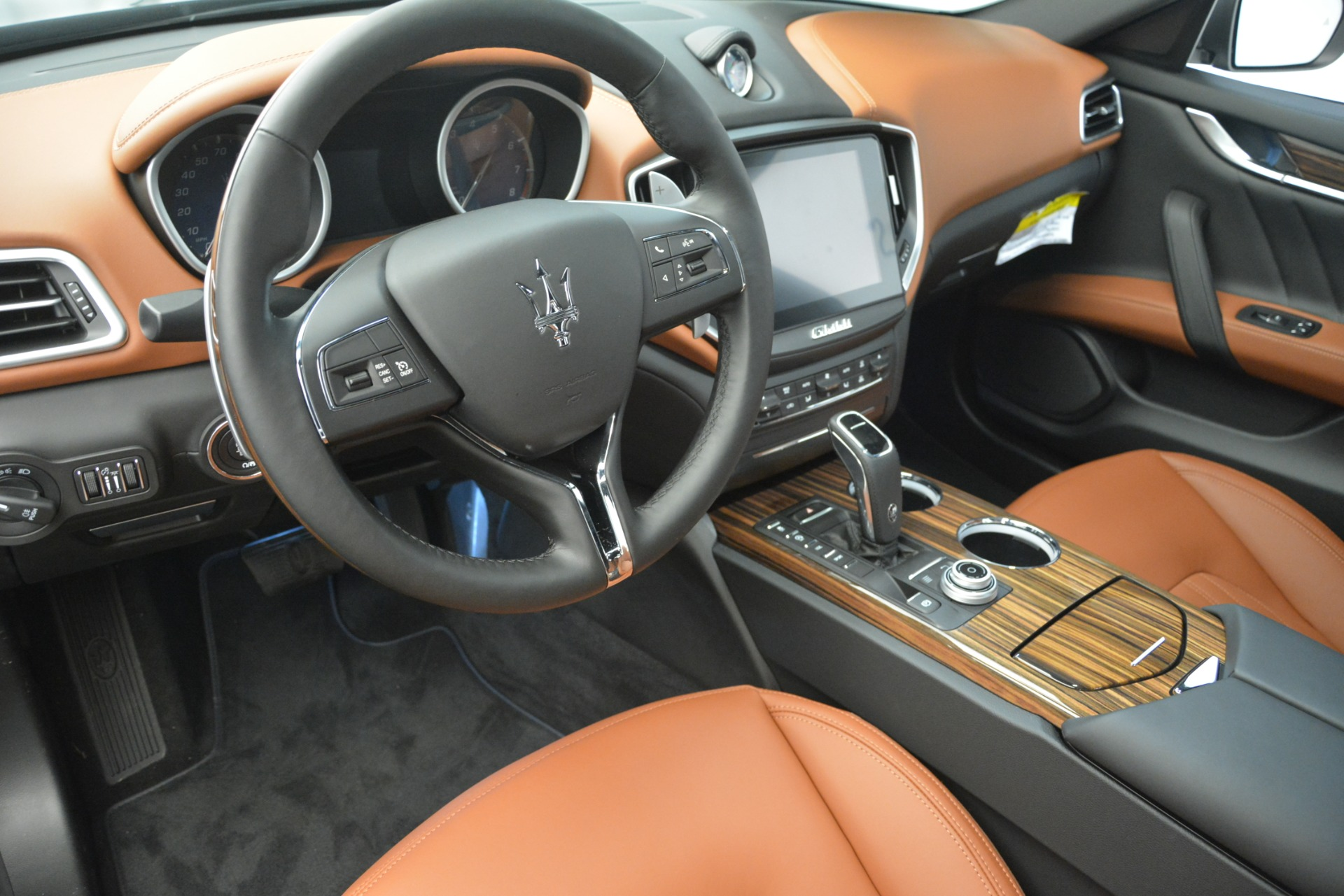 New 2019 Maserati Ghibli S Q4 GranLusso For Sale In Greenwich, CT. Alfa Romeo of Greenwich, M2223 2590_p13