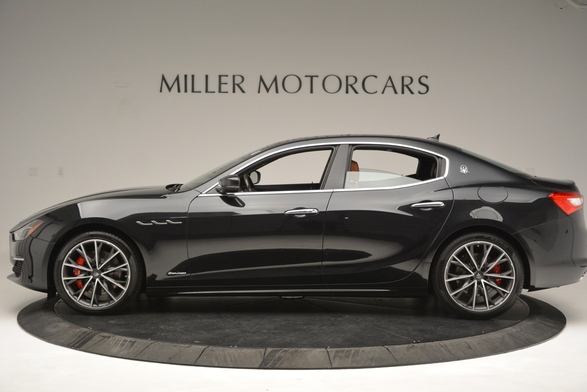 New 2019 Maserati Ghibli S Q4 GranLusso For Sale In Greenwich, CT. Alfa Romeo of Greenwich, M2223 2590_p3