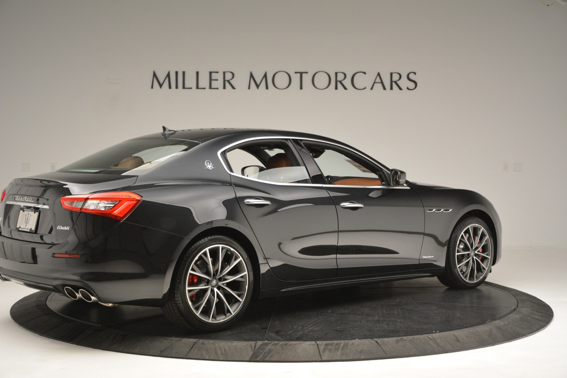 New 2019 Maserati Ghibli S Q4 GranLusso For Sale In Greenwich, CT. Alfa Romeo of Greenwich, M2223 2590_p8