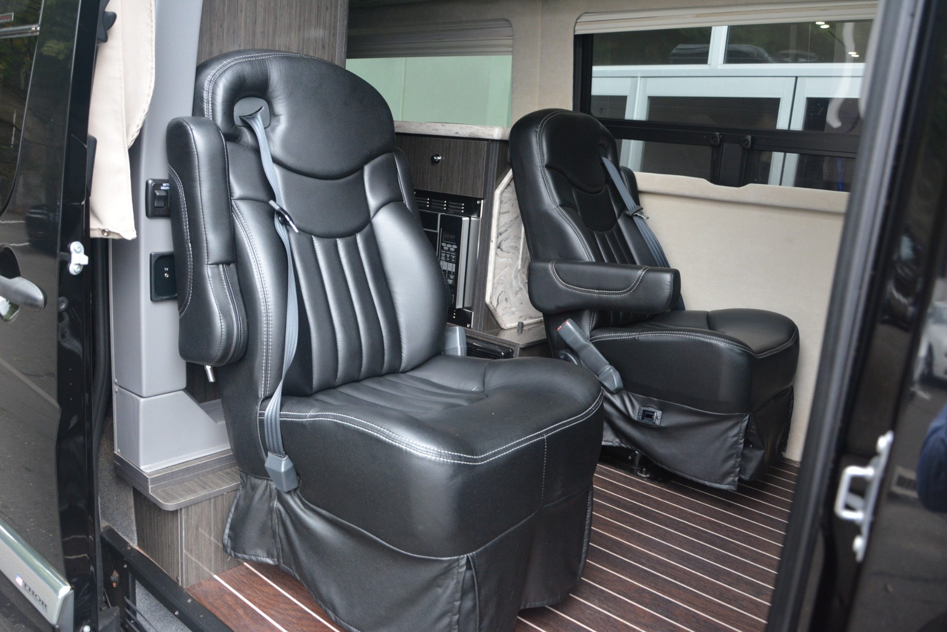 Used 2014 Mercedes-Benz Sprinter 3500 Airstream Lounge Extended For Sale In Greenwich, CT. Alfa Romeo of Greenwich, 1234 2595_p13