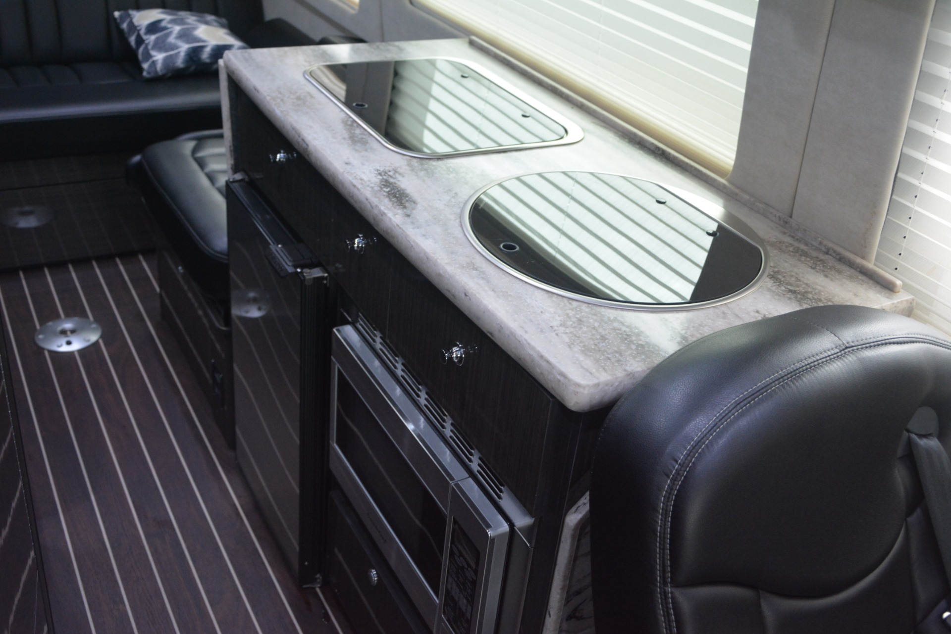 Used 2014 Mercedes-Benz Sprinter 3500 Airstream Lounge Extended For Sale In Greenwich, CT. Alfa Romeo of Greenwich, 1234 2595_p21