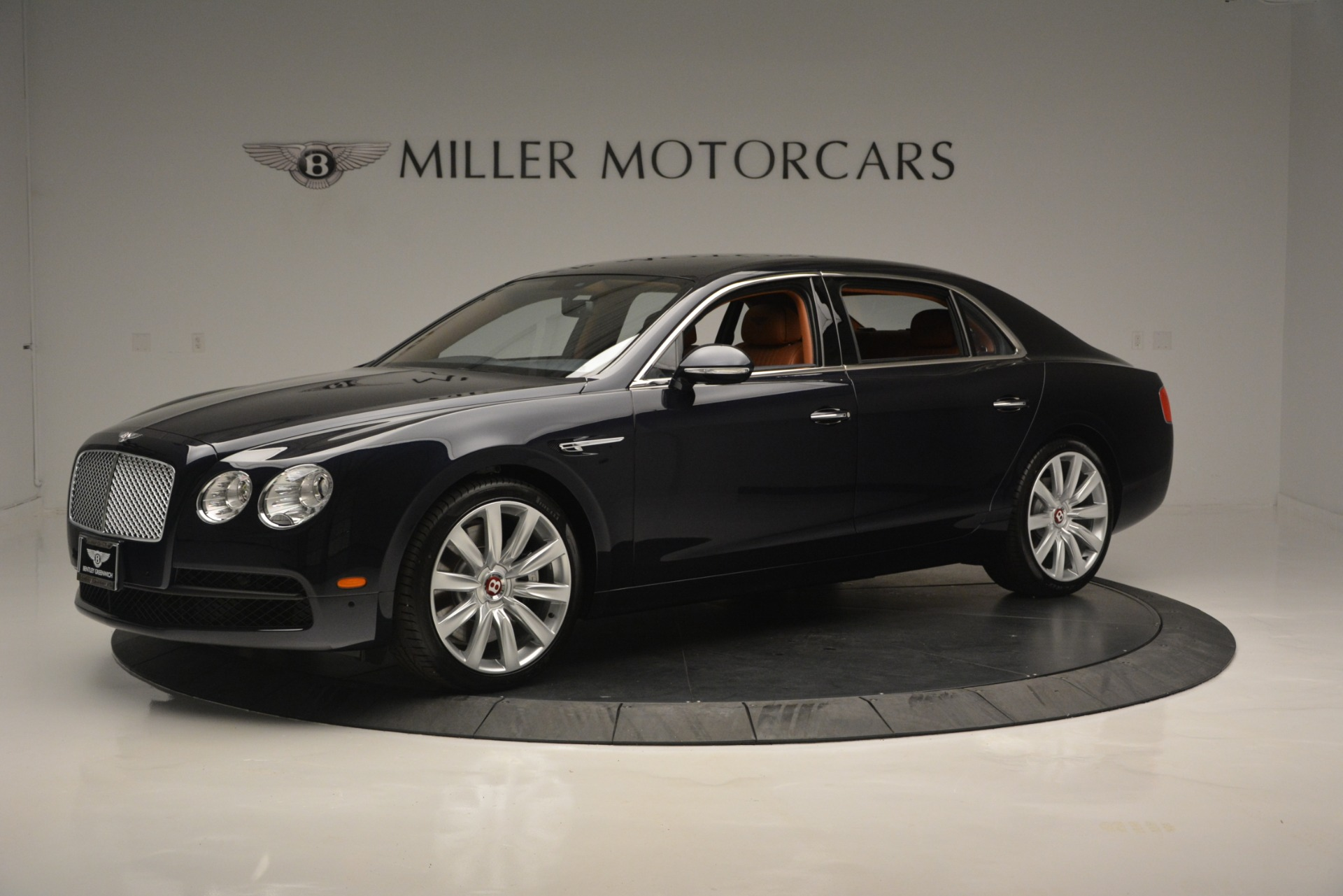 New 2018 Bentley Flying Spur V8 For Sale In Greenwich, CT. Alfa Romeo of Greenwich, B1362 2601_p2