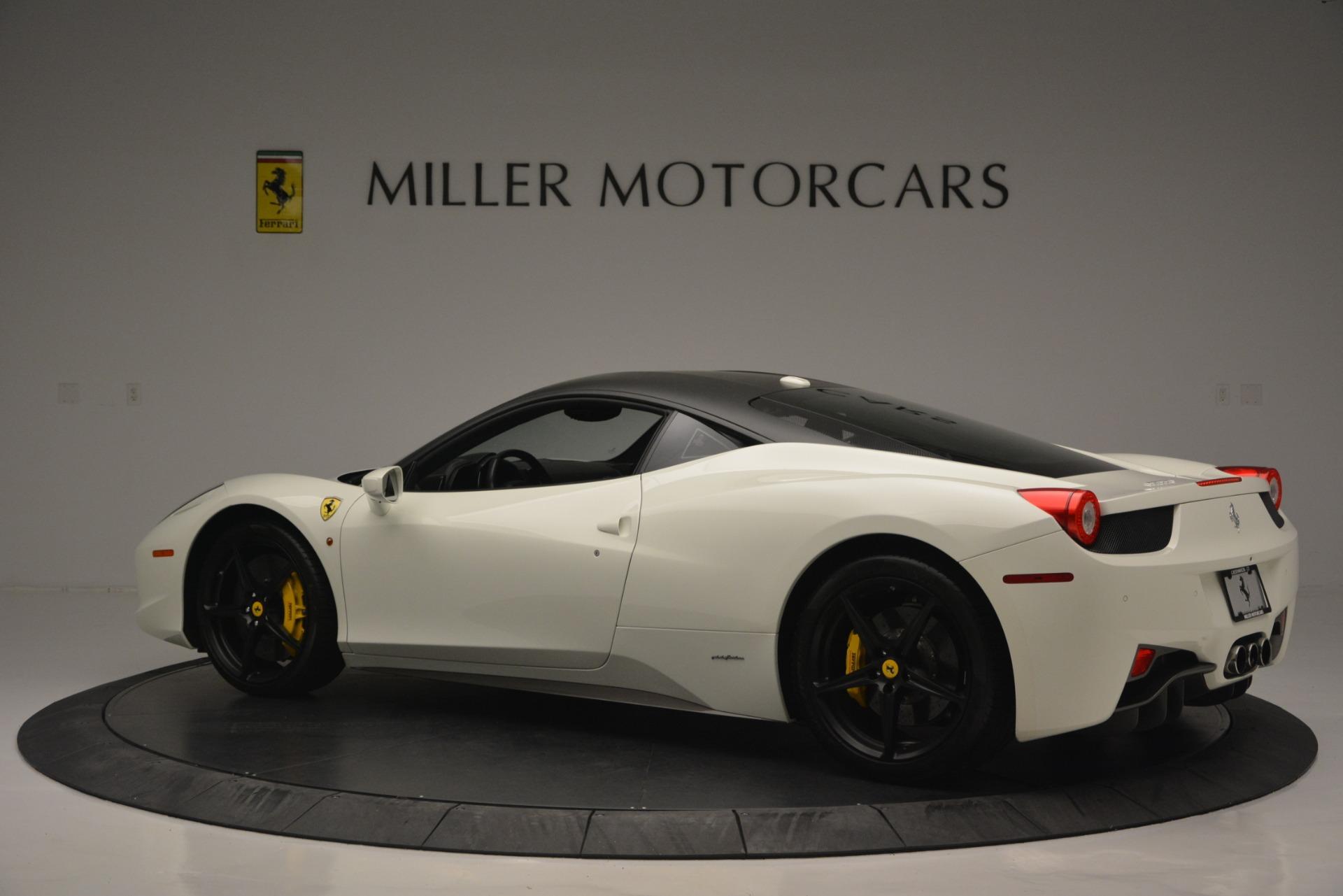 Used 2010 Ferrari 458 Italia  For Sale In Greenwich, CT. Alfa Romeo of Greenwich, 4512 2602_p4