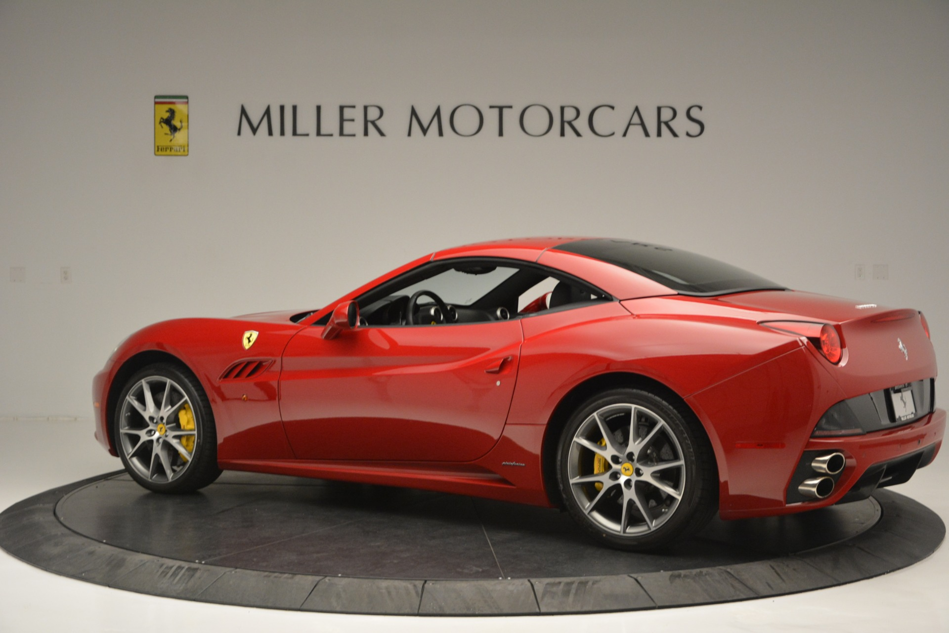 Used 2011 Ferrari California  For Sale In Greenwich, CT. Alfa Romeo of Greenwich, 4530A 2618_p15