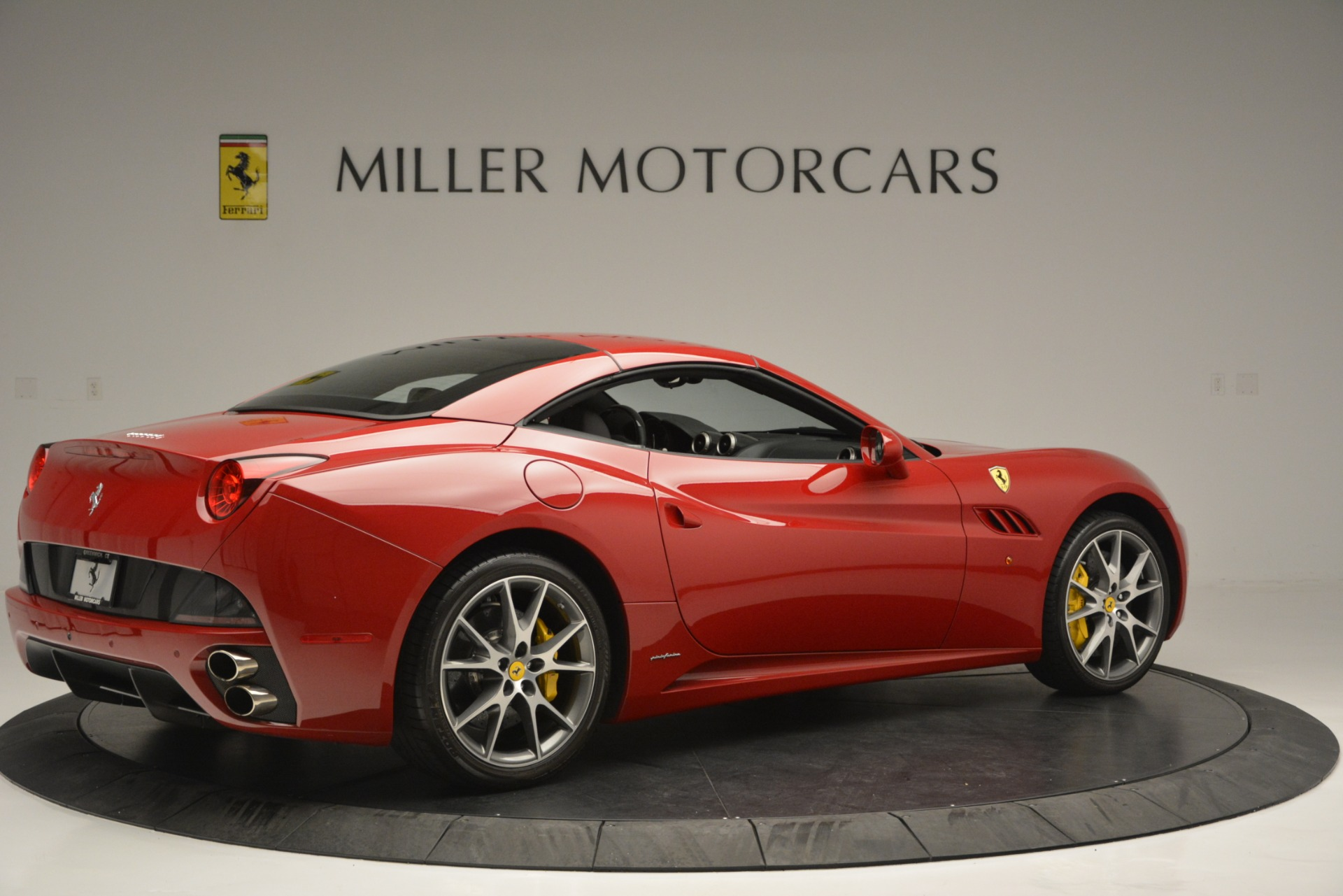 Used 2011 Ferrari California  For Sale In Greenwich, CT. Alfa Romeo of Greenwich, 4530A 2618_p16