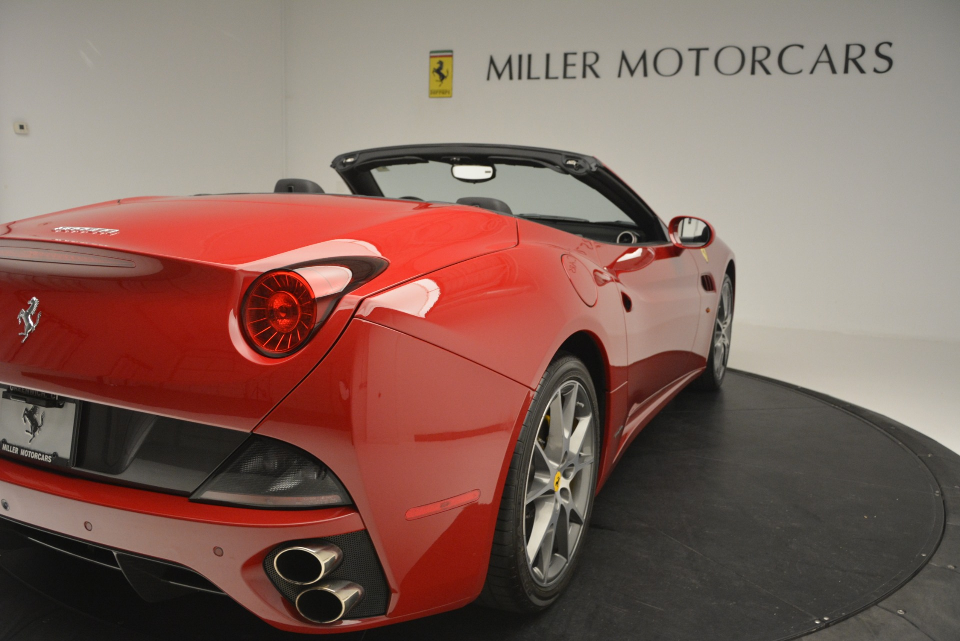 Used 2011 Ferrari California  For Sale In Greenwich, CT. Alfa Romeo of Greenwich, 4530A 2618_p34