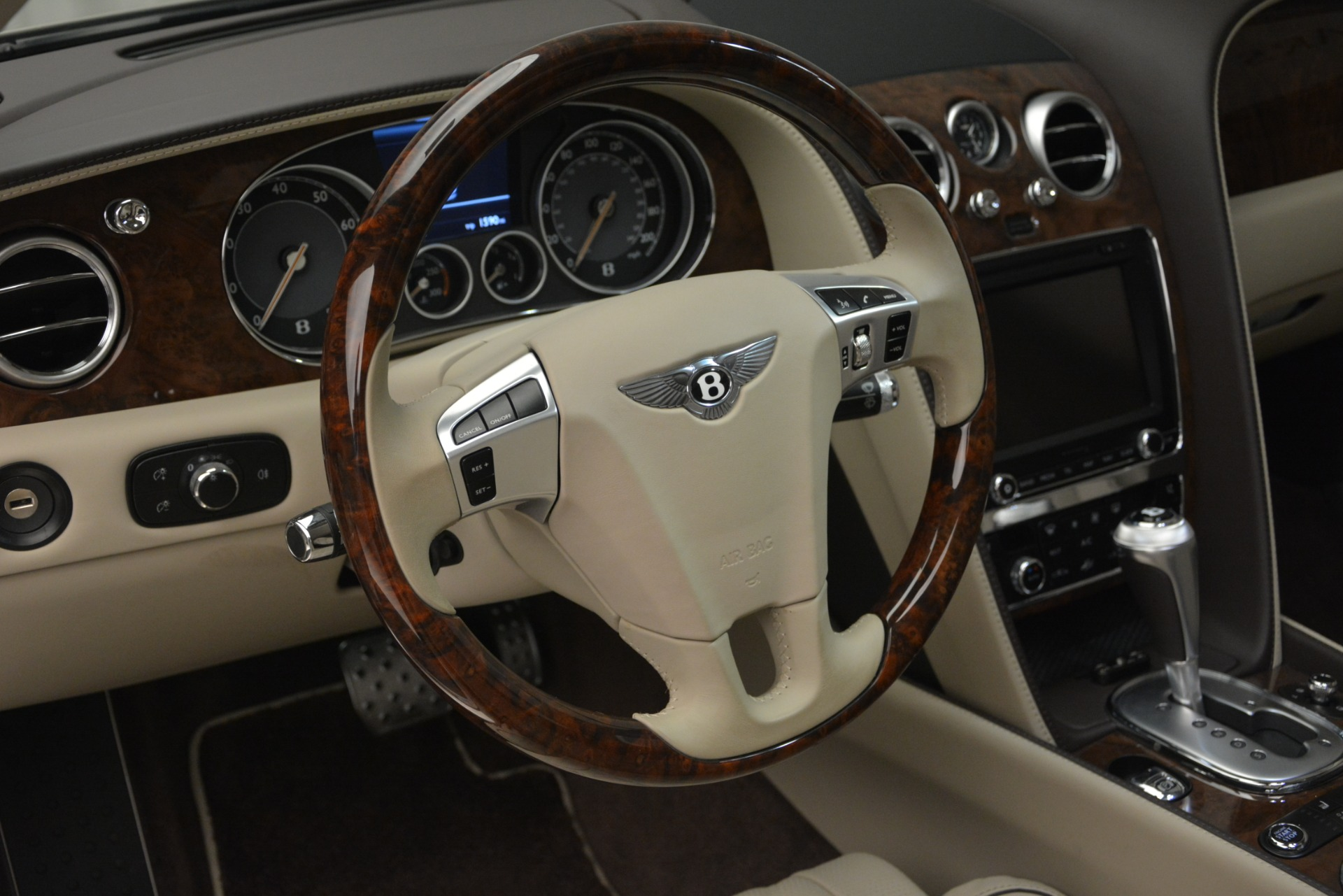 Used 2014 Bentley Flying Spur W12 For Sale In Greenwich, CT. Alfa Romeo of Greenwich, R477A 2624_p21