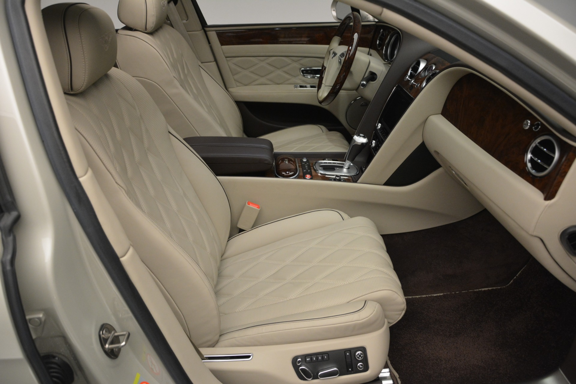 Used 2014 Bentley Flying Spur W12 For Sale In Greenwich, CT. Alfa Romeo of Greenwich, R477A 2624_p27