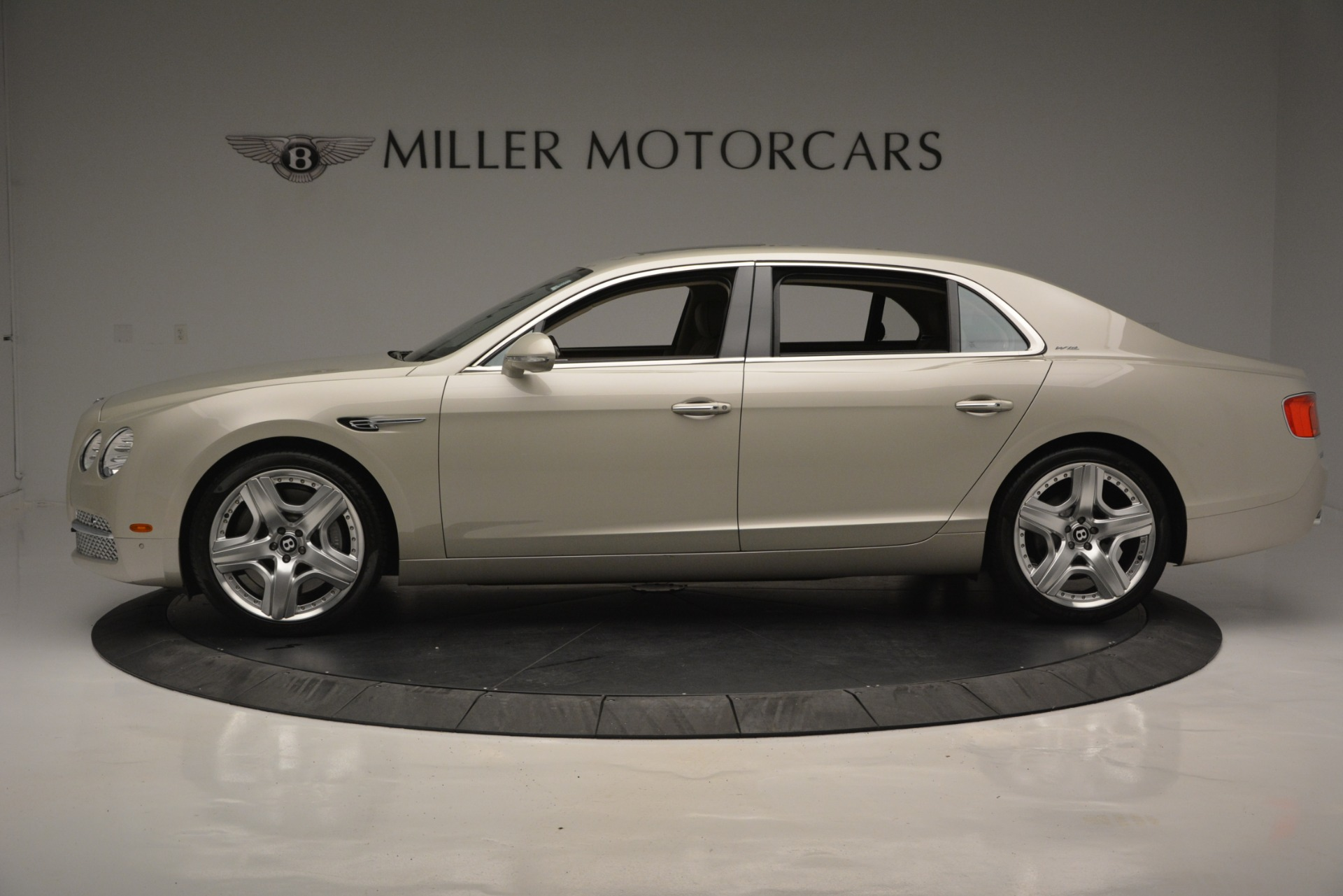Used 2014 Bentley Flying Spur W12 For Sale In Greenwich, CT. Alfa Romeo of Greenwich, R477A 2624_p3