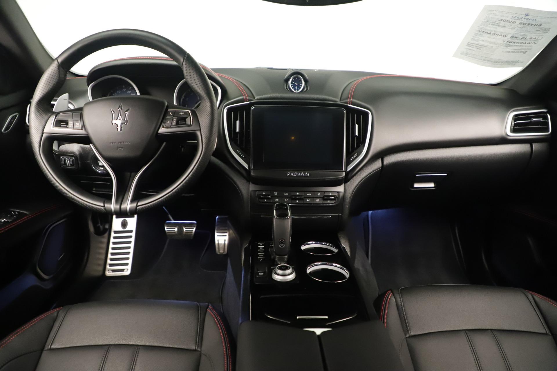 New 2019 Maserati Ghibli S Q4 GranSport For Sale In Greenwich, CT. Alfa Romeo of Greenwich, M2204 2640_p16