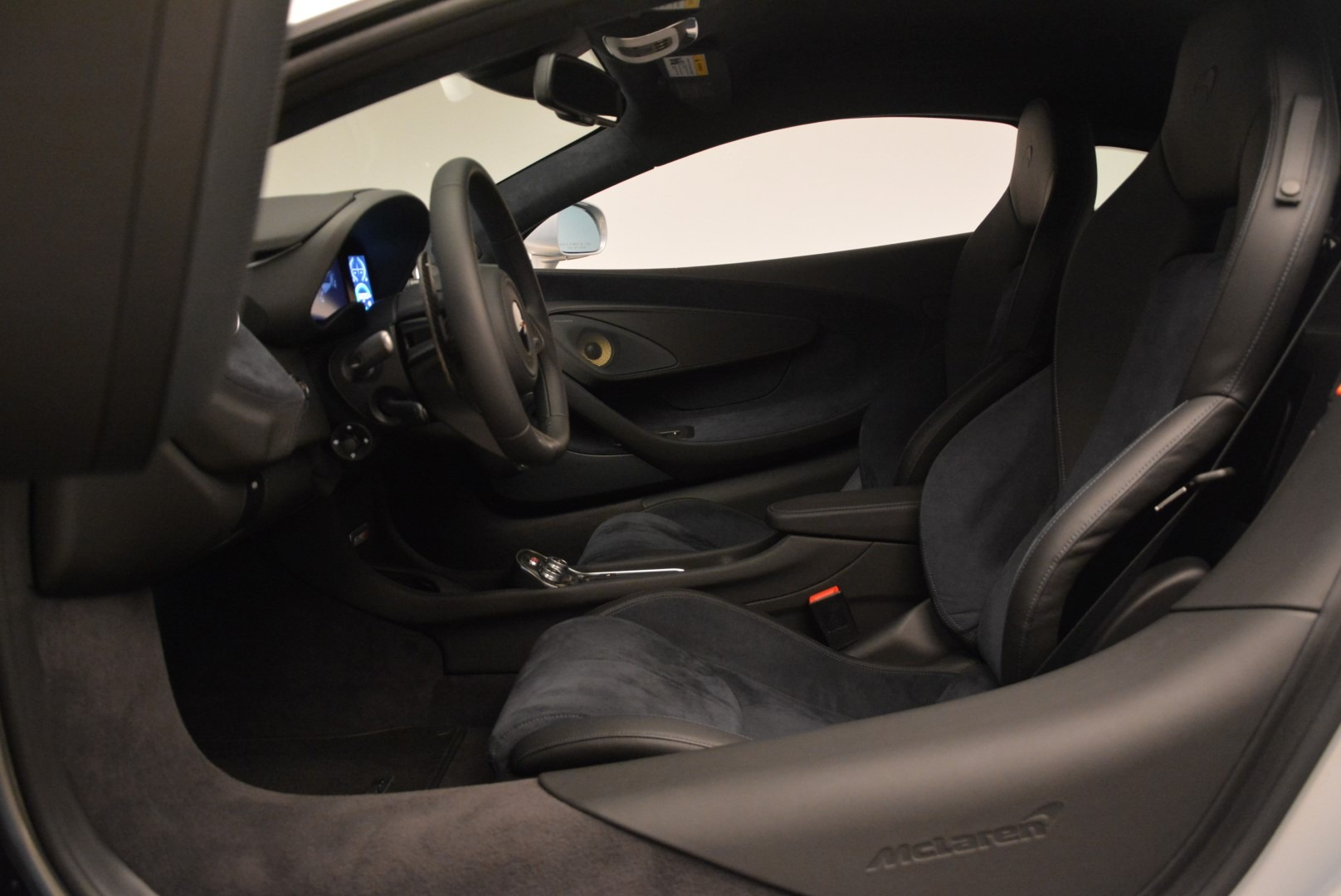 Used 2017 McLaren 570S Coupe For Sale In Greenwich, CT. Alfa Romeo of Greenwich, 3147 2642_p16