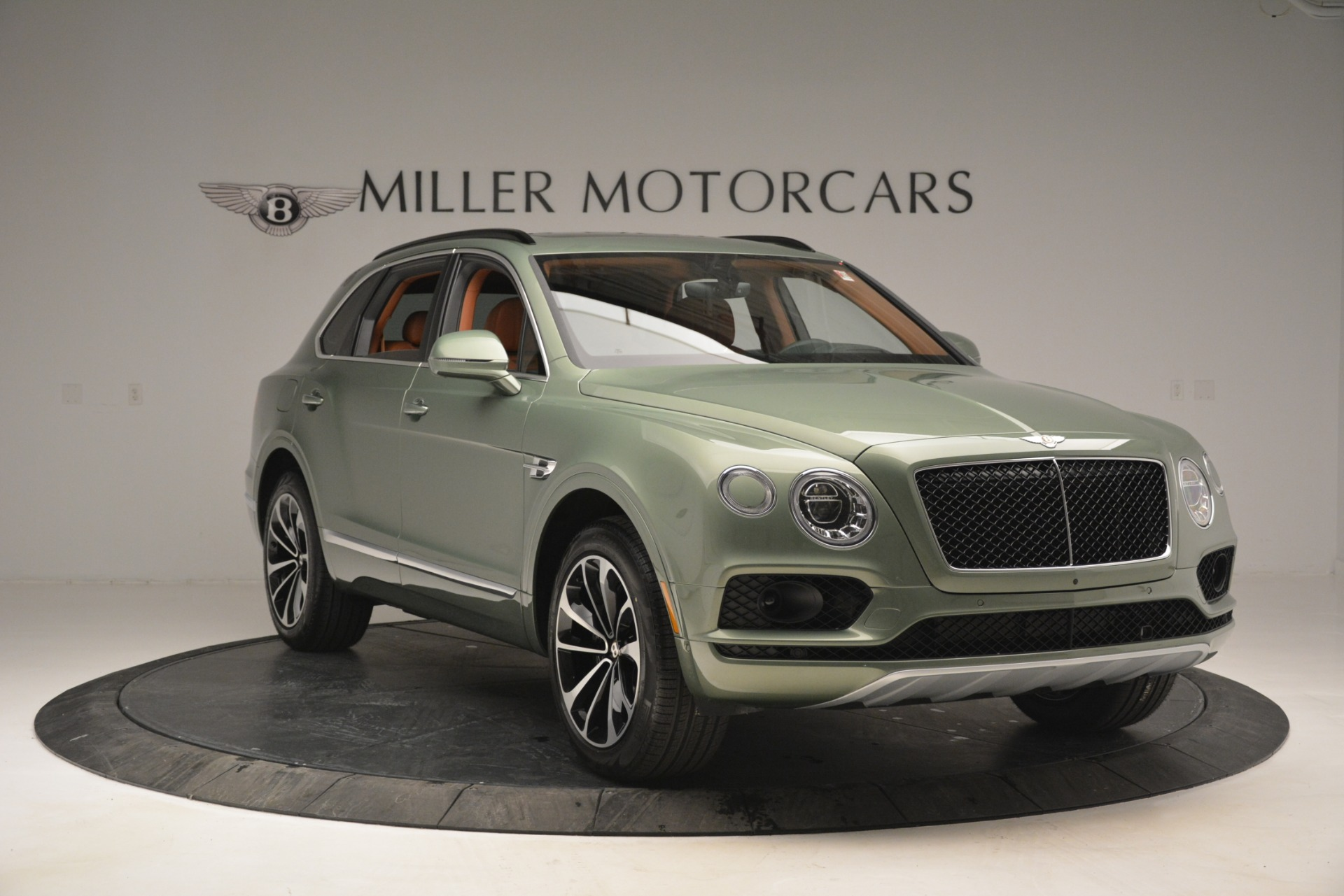 New 2019 Bentley Bentayga V8 For Sale In Greenwich, CT. Alfa Romeo of Greenwich, B1395 2644_p11