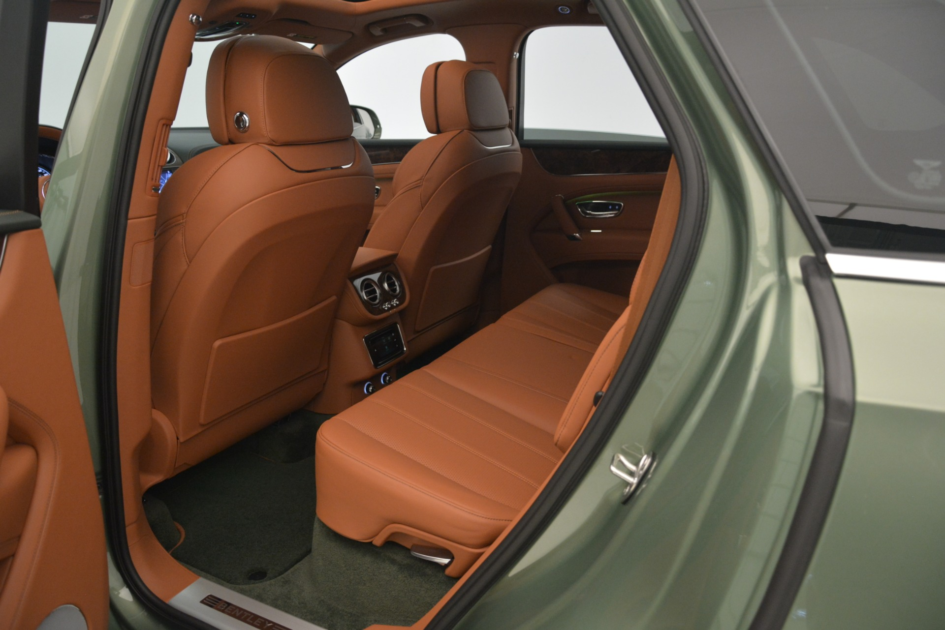 New 2019 Bentley Bentayga V8 For Sale In Greenwich, CT. Alfa Romeo of Greenwich, B1395 2644_p26