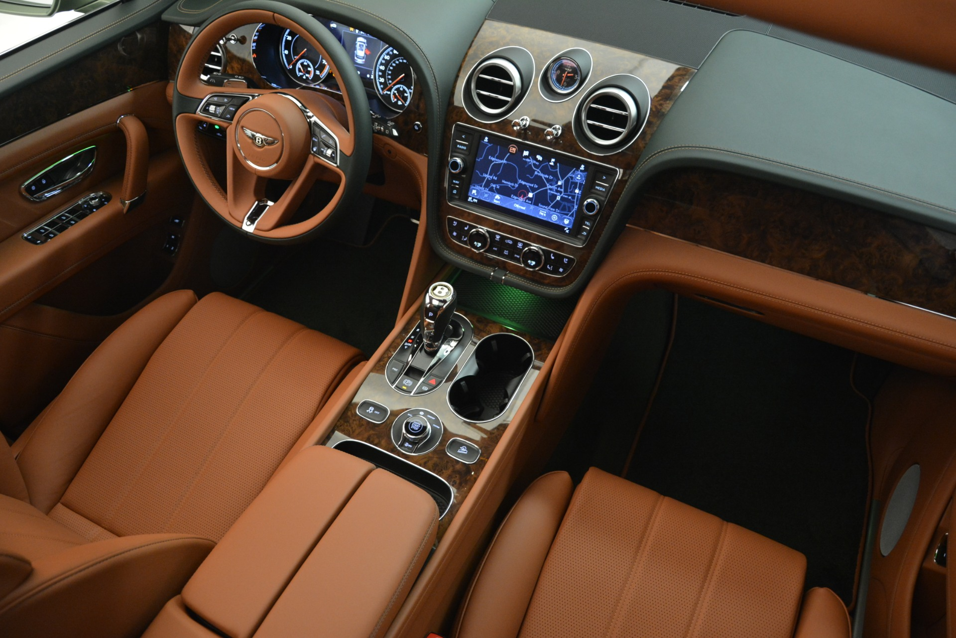 New 2019 Bentley Bentayga V8 For Sale In Greenwich, CT. Alfa Romeo of Greenwich, B1395 2644_p29