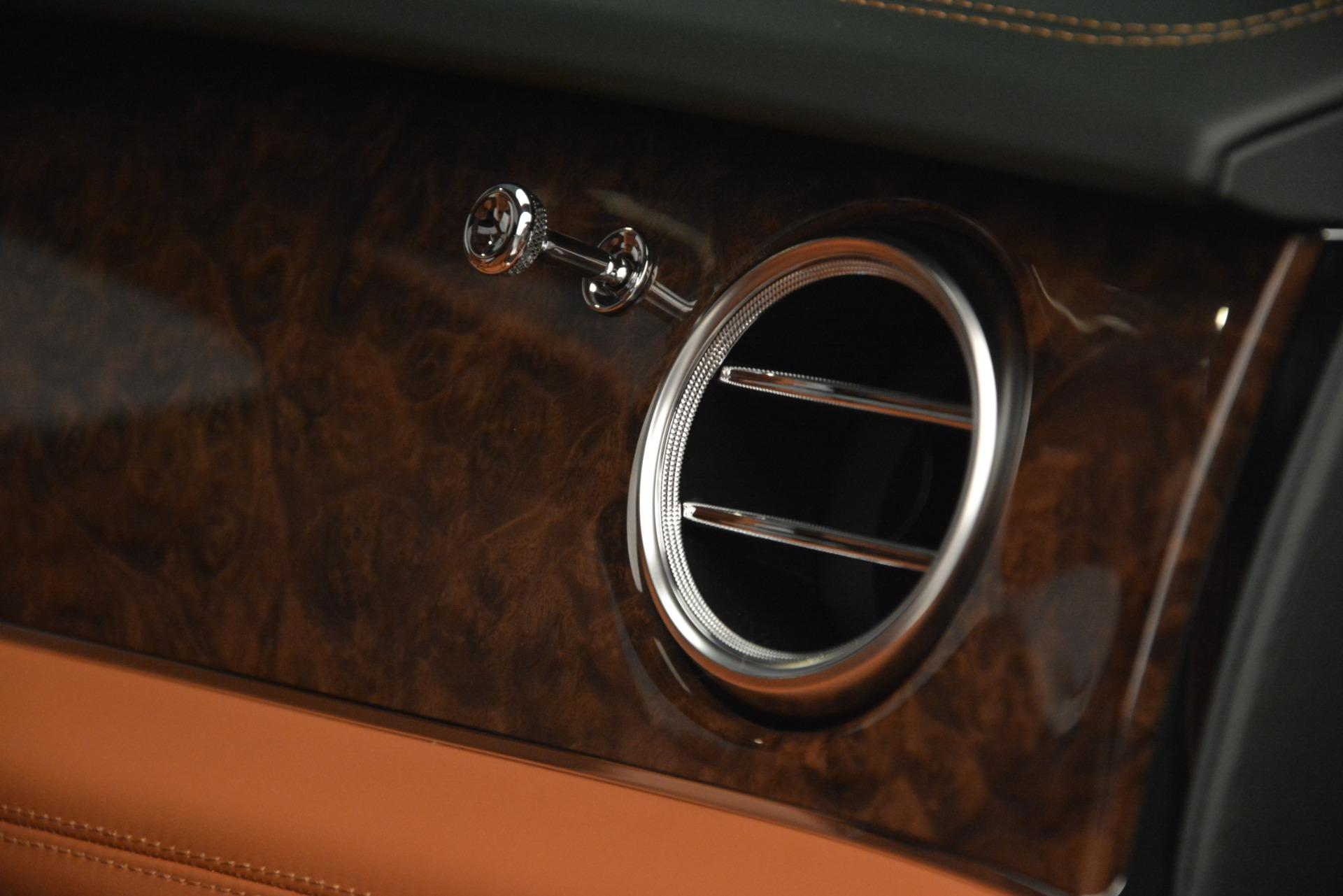 New 2019 Bentley Bentayga V8 For Sale In Greenwich, CT. Alfa Romeo of Greenwich, B1391 2645_p24