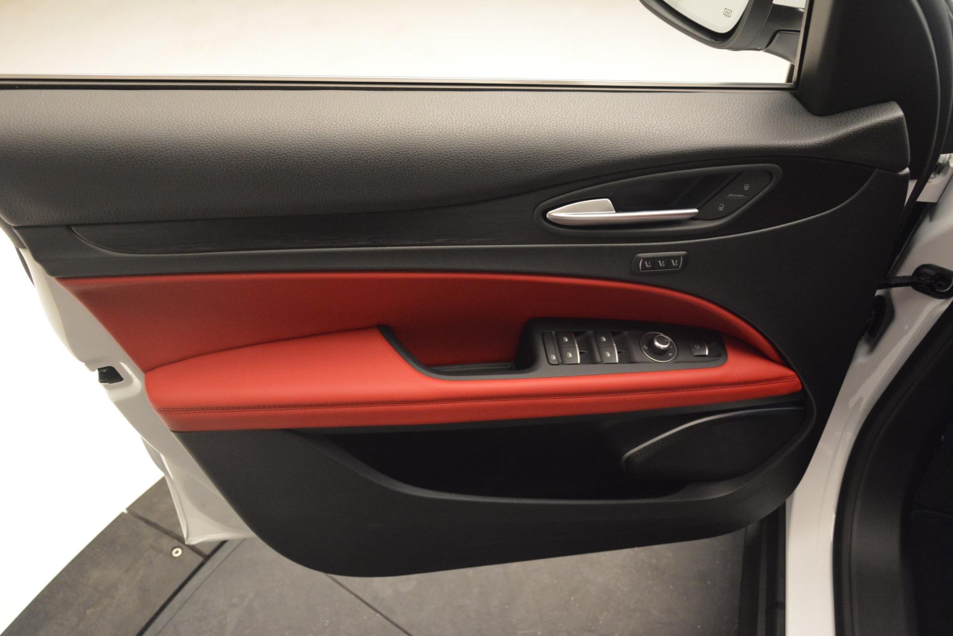 New 2019 Alfa Romeo Stelvio Q4 For Sale In Greenwich, CT. Alfa Romeo of Greenwich, L497 2657_p16