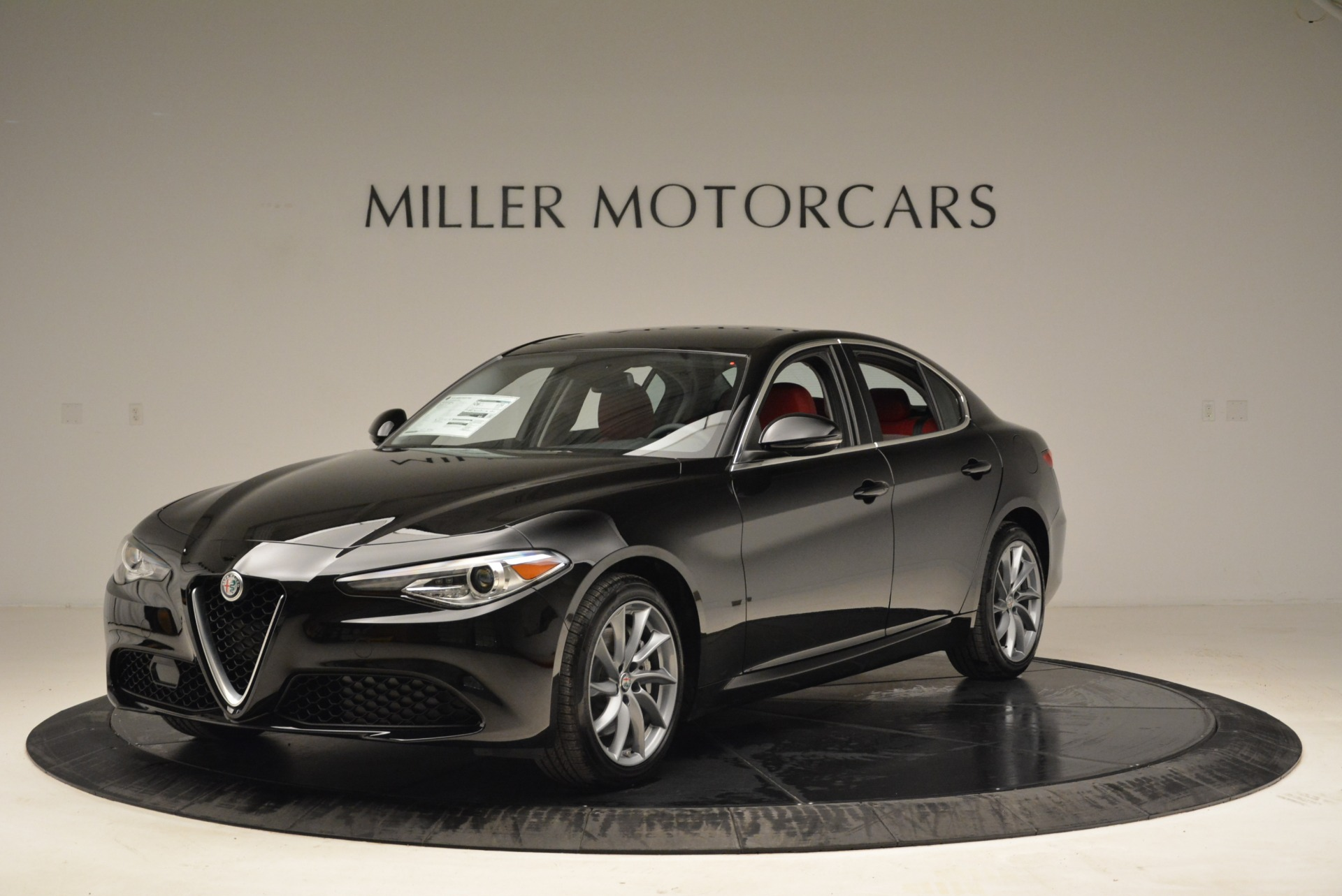 New 2019 Alfa Romeo Giulia Q4 For Sale In Greenwich, CT. Alfa Romeo of Greenwich, LW249 2662_main