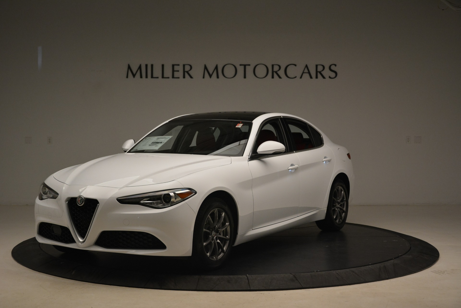 New 2019 Alfa Romeo Giulia Q4 For Sale In Greenwich, CT. Alfa Romeo of Greenwich, LW253 2666_main
