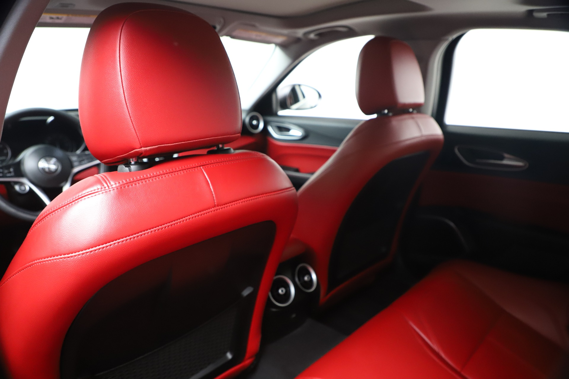 New 2019 Alfa Romeo Giulia Q4 For Sale In Greenwich, CT. Alfa Romeo of Greenwich, LW257 2669_p19