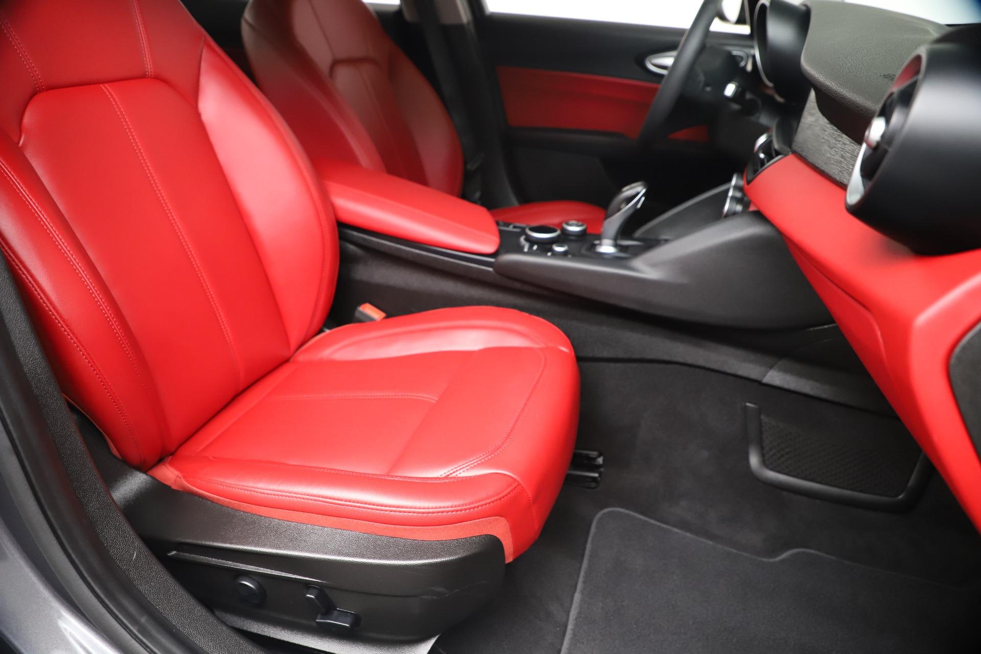 New 2019 Alfa Romeo Giulia Q4 For Sale In Greenwich, CT. Alfa Romeo of Greenwich, LW257 2669_p23