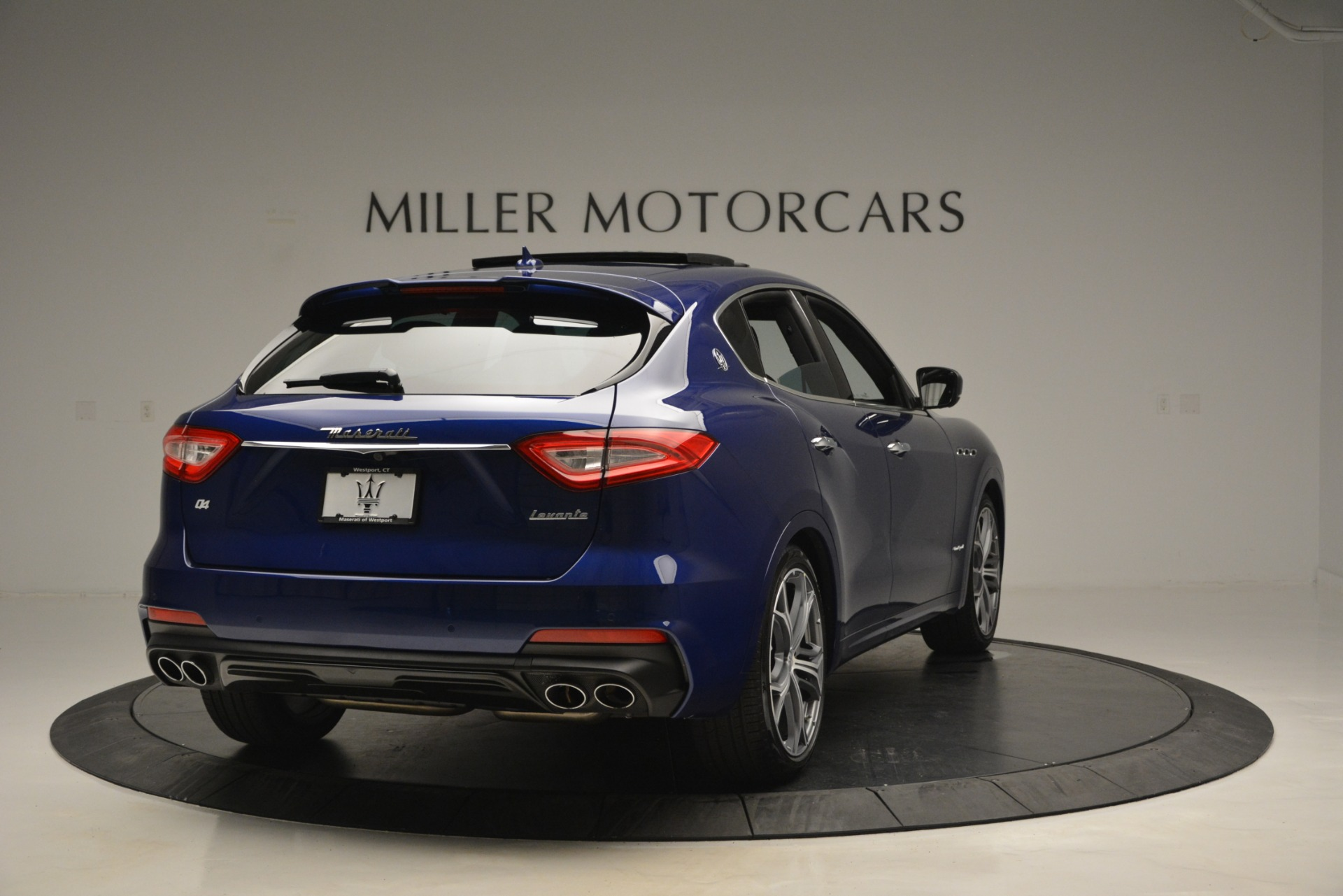 New 2019 Maserati Levante Q4 GranSport For Sale In Greenwich, CT. Alfa Romeo of Greenwich, M2230 2670_p10