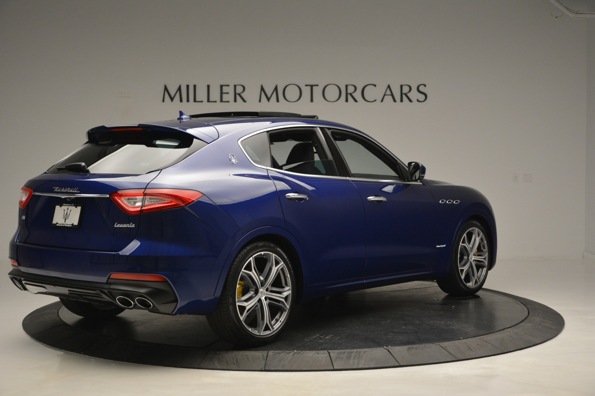 New 2019 Maserati Levante Q4 GranSport For Sale In Greenwich, CT. Alfa Romeo of Greenwich, M2230 2670_p11