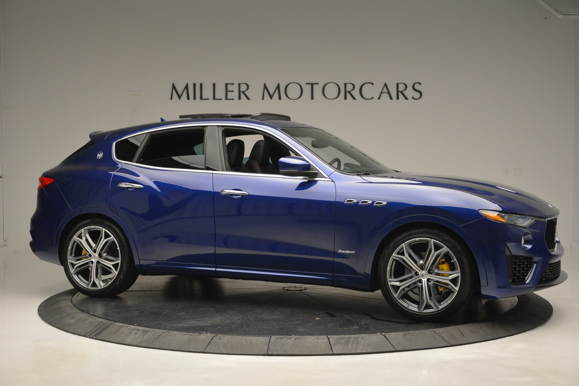 New 2019 Maserati Levante Q4 GranSport For Sale In Greenwich, CT. Alfa Romeo of Greenwich, M2230 2670_p14