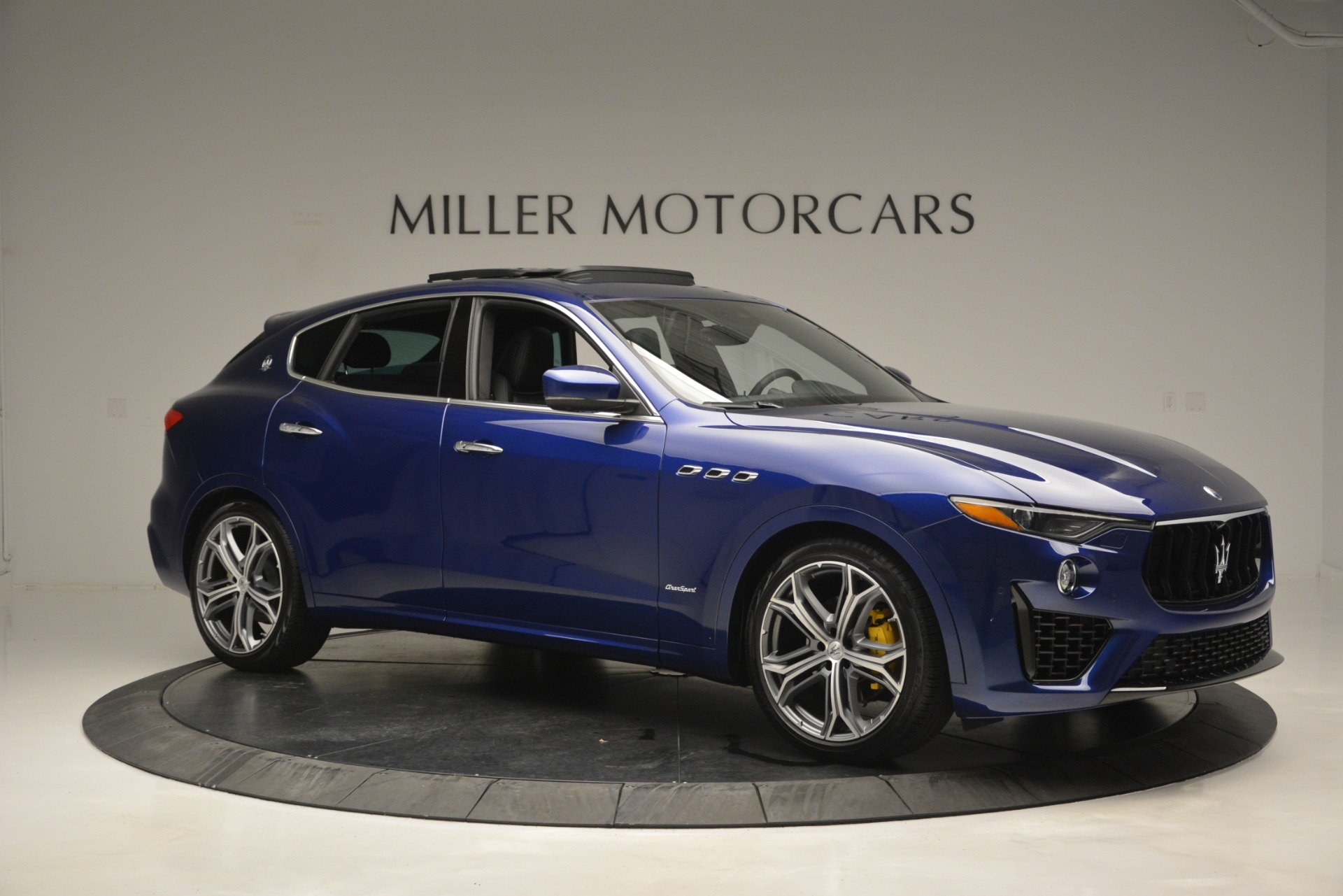 New 2019 Maserati Levante Q4 GranSport For Sale In Greenwich, CT. Alfa Romeo of Greenwich, M2230 2670_p15