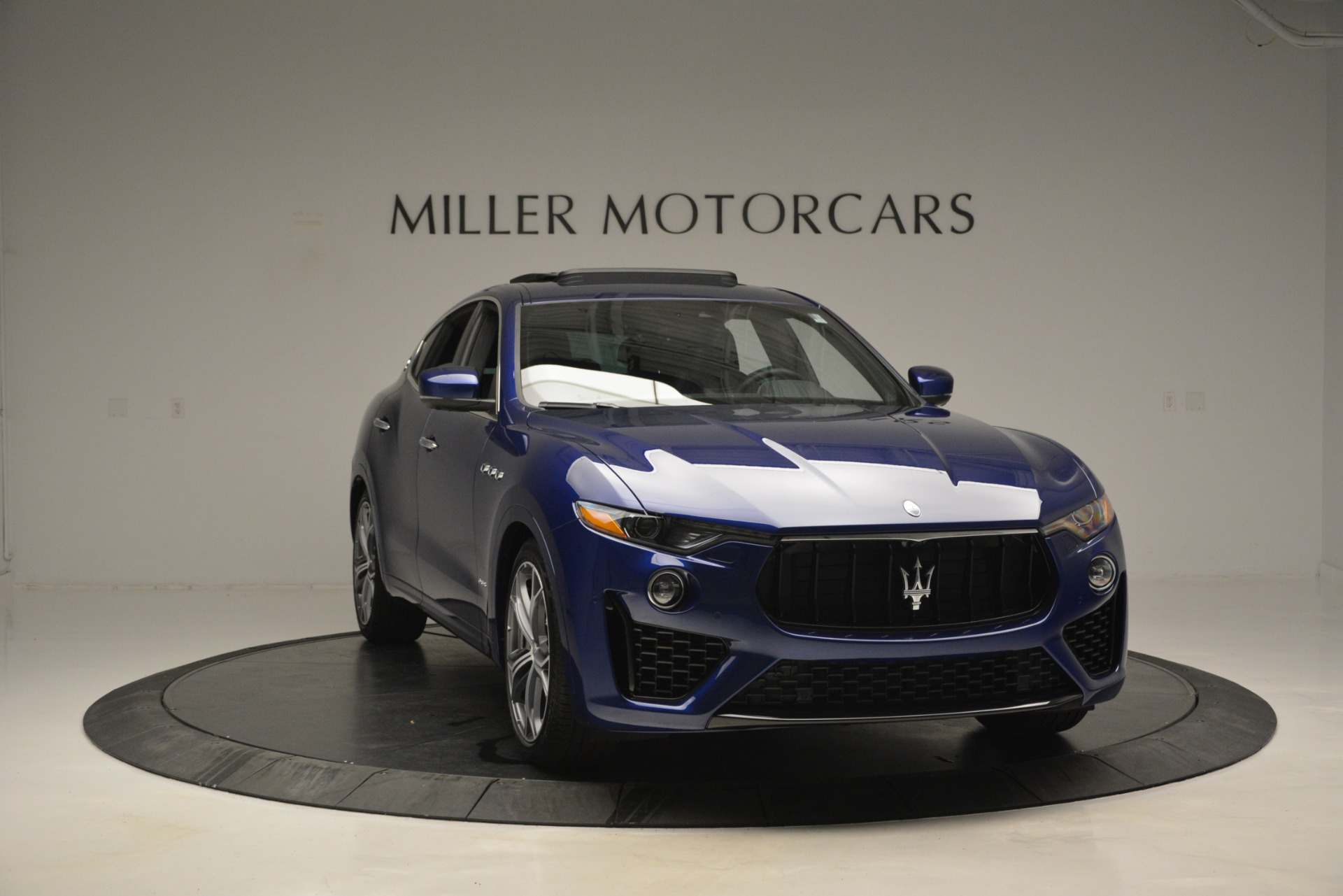 New 2019 Maserati Levante Q4 GranSport For Sale In Greenwich, CT. Alfa Romeo of Greenwich, M2230 2670_p17