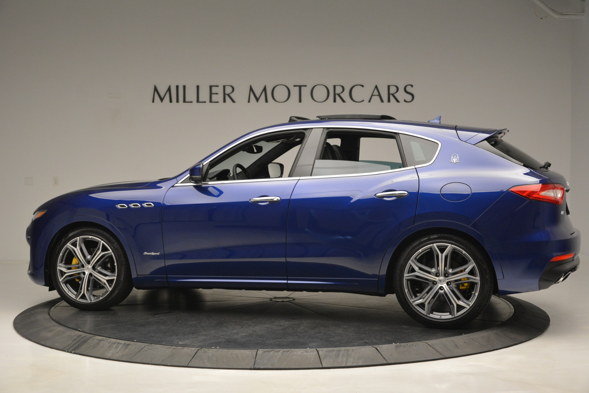 New 2019 Maserati Levante Q4 GranSport For Sale In Greenwich, CT. Alfa Romeo of Greenwich, M2230 2670_p5